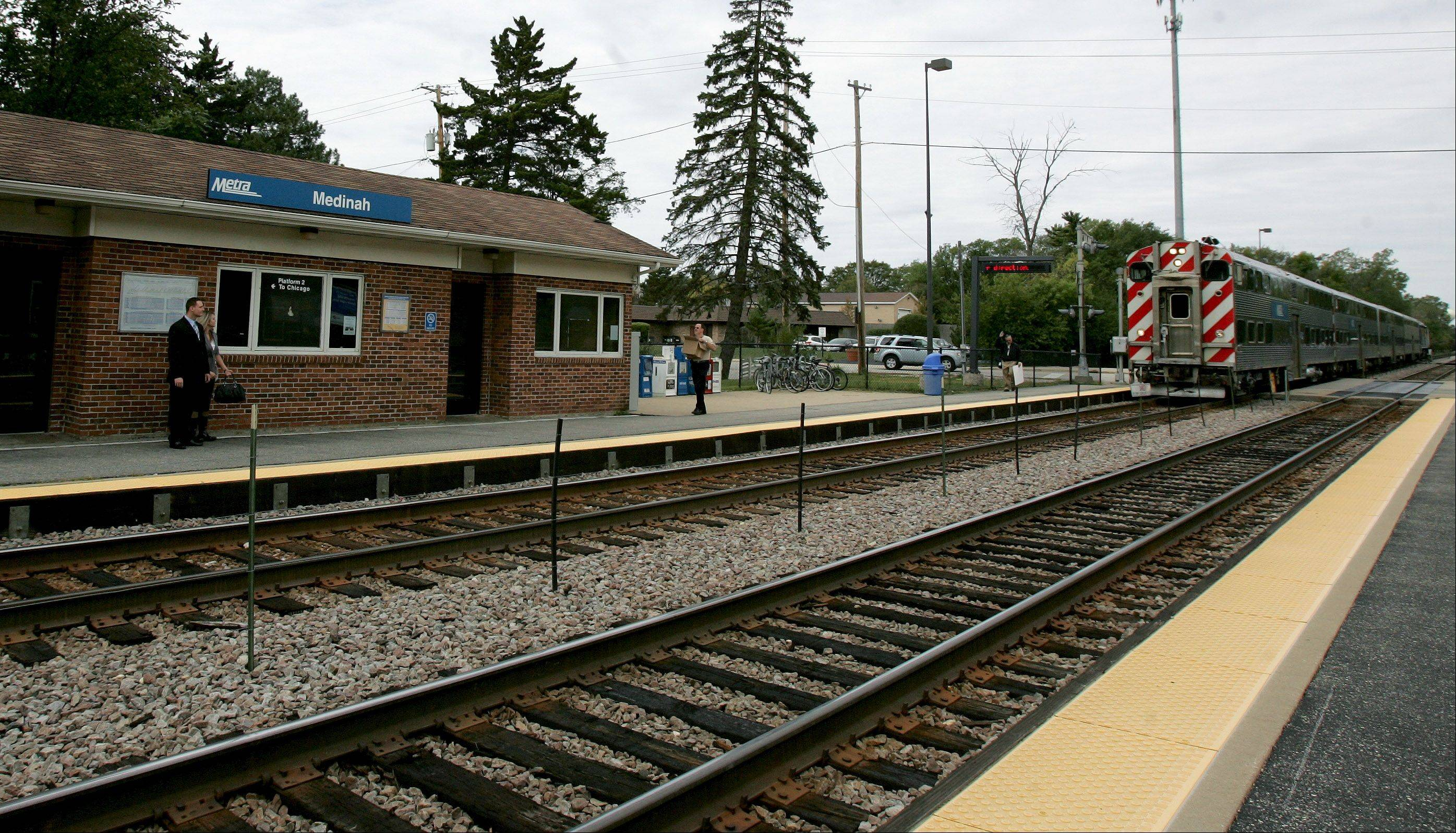 The Medinah Metra station is a short walk from Medinah Country Club.