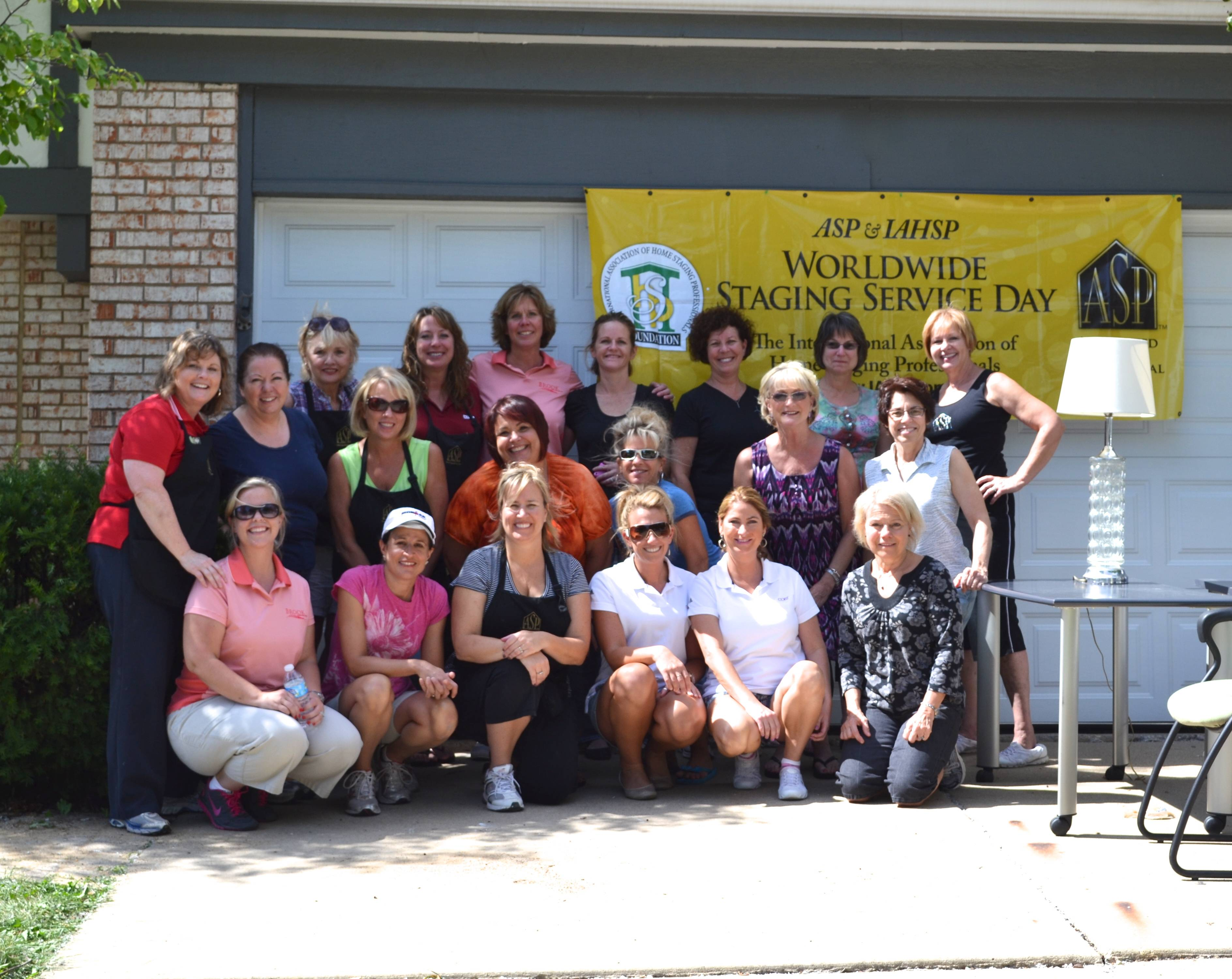 2012 World Wide Staging Service Project Volunteers on Sept. 12 in Schaumburg