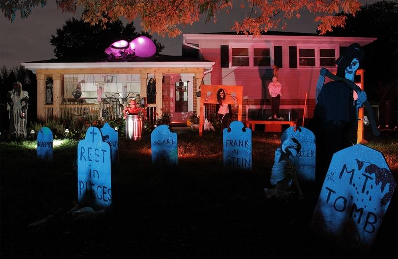 a massive graveyard adorned the front yard of this home on ashland avenue in the 2011 - Halloween Decorating Contest