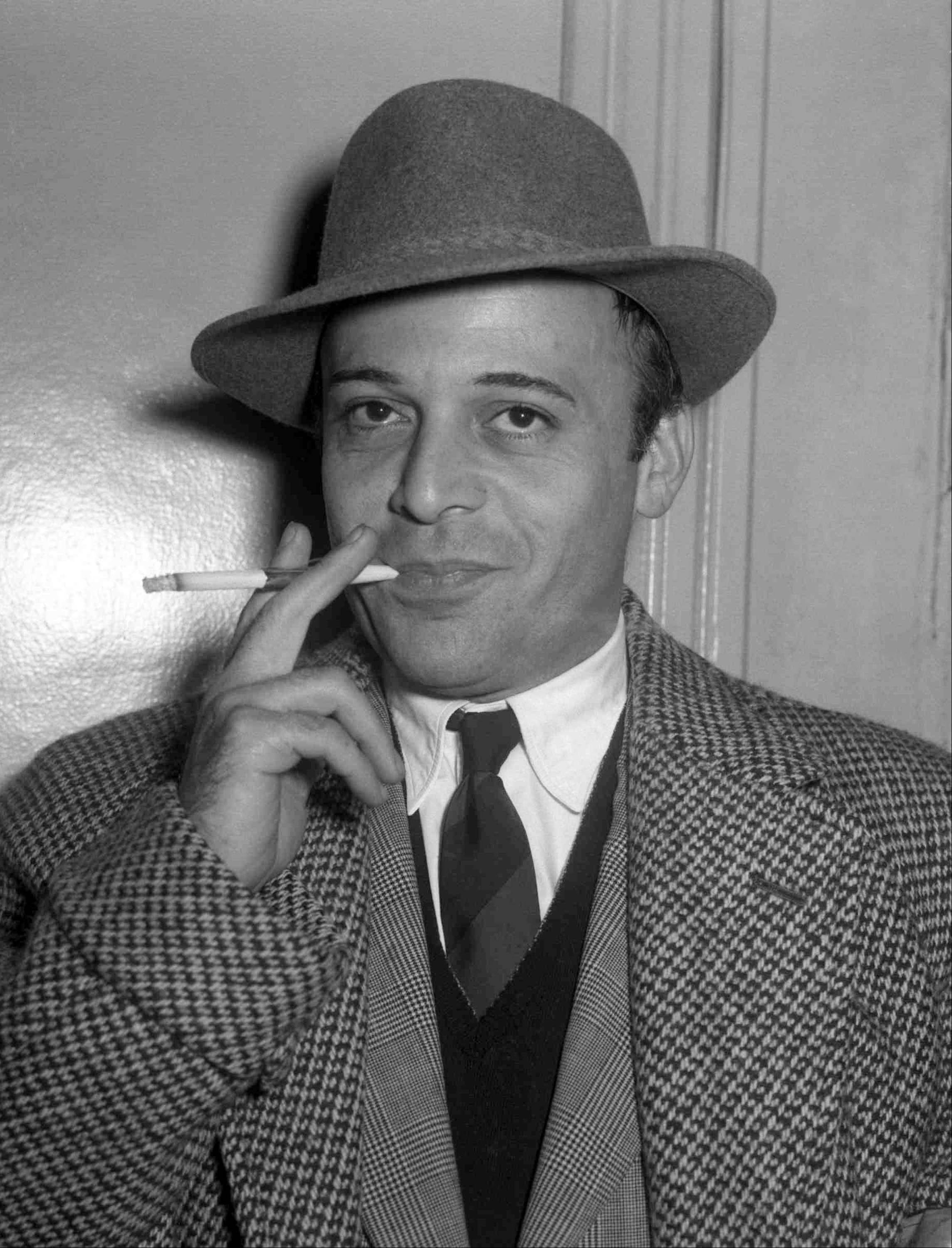 British actor Herbert Lom, who starred as Inspector Clouseau's boss in the Pink Panther movies, has died. He was 95.