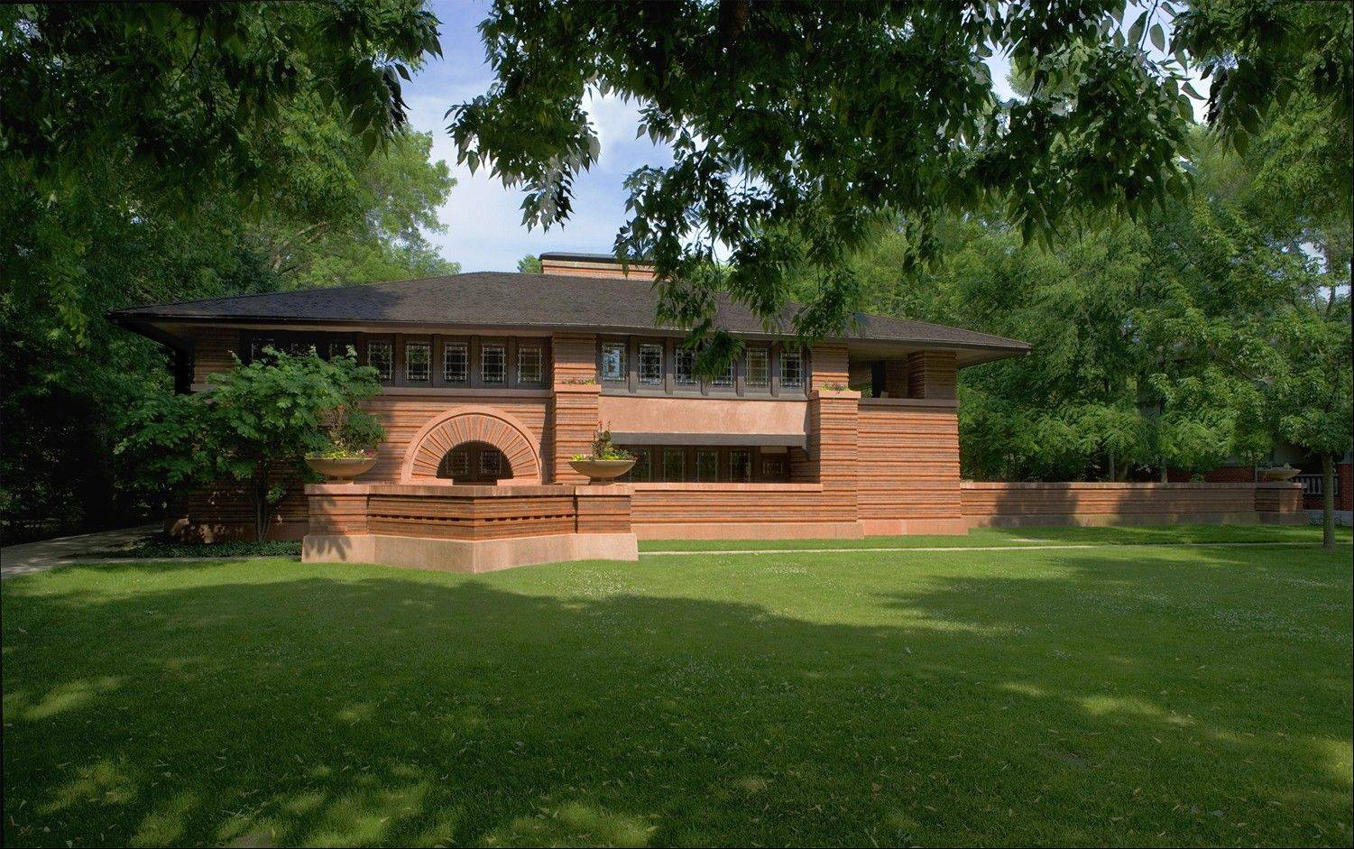 The Arthur and Grace Huertley house, designed by Wright and built in 1902, on Forest Avenue in Oak Park, is a few doors away from the Frank Lloyd Wright Home and Studio.