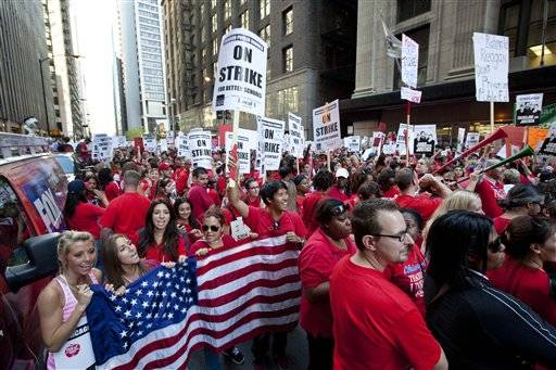 IThe Chicago Teachers Union says its teachers and support staff have overwhelmingly approved a new three-year contract that includes pay increases and a new evaluation system.