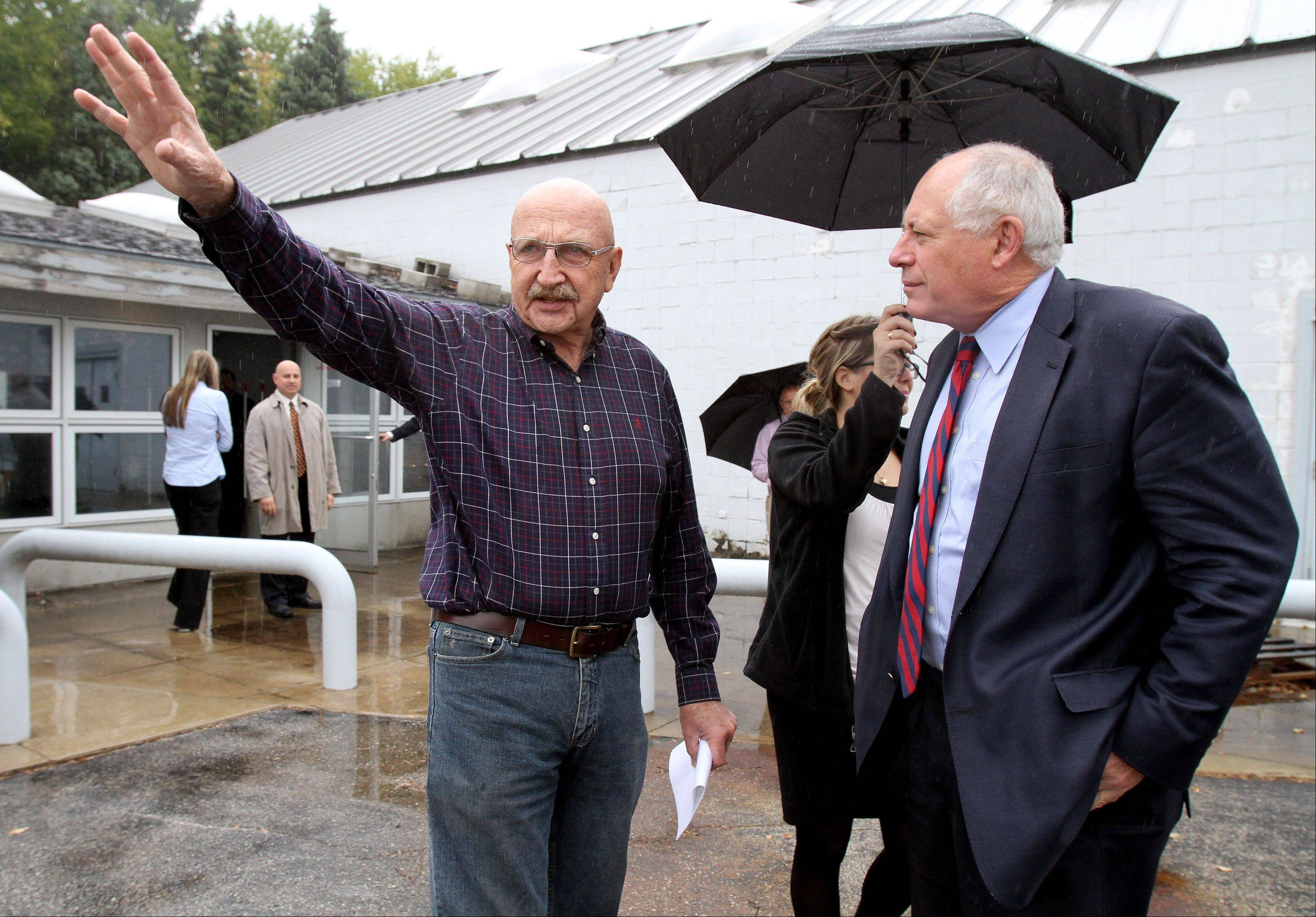 Bill Kautz, owner of Kautz Farm in West Chicago, meets with Gov. Pat Quinn, who announced plans for a $26 million overpass at Route 38 and Kautz Road.
