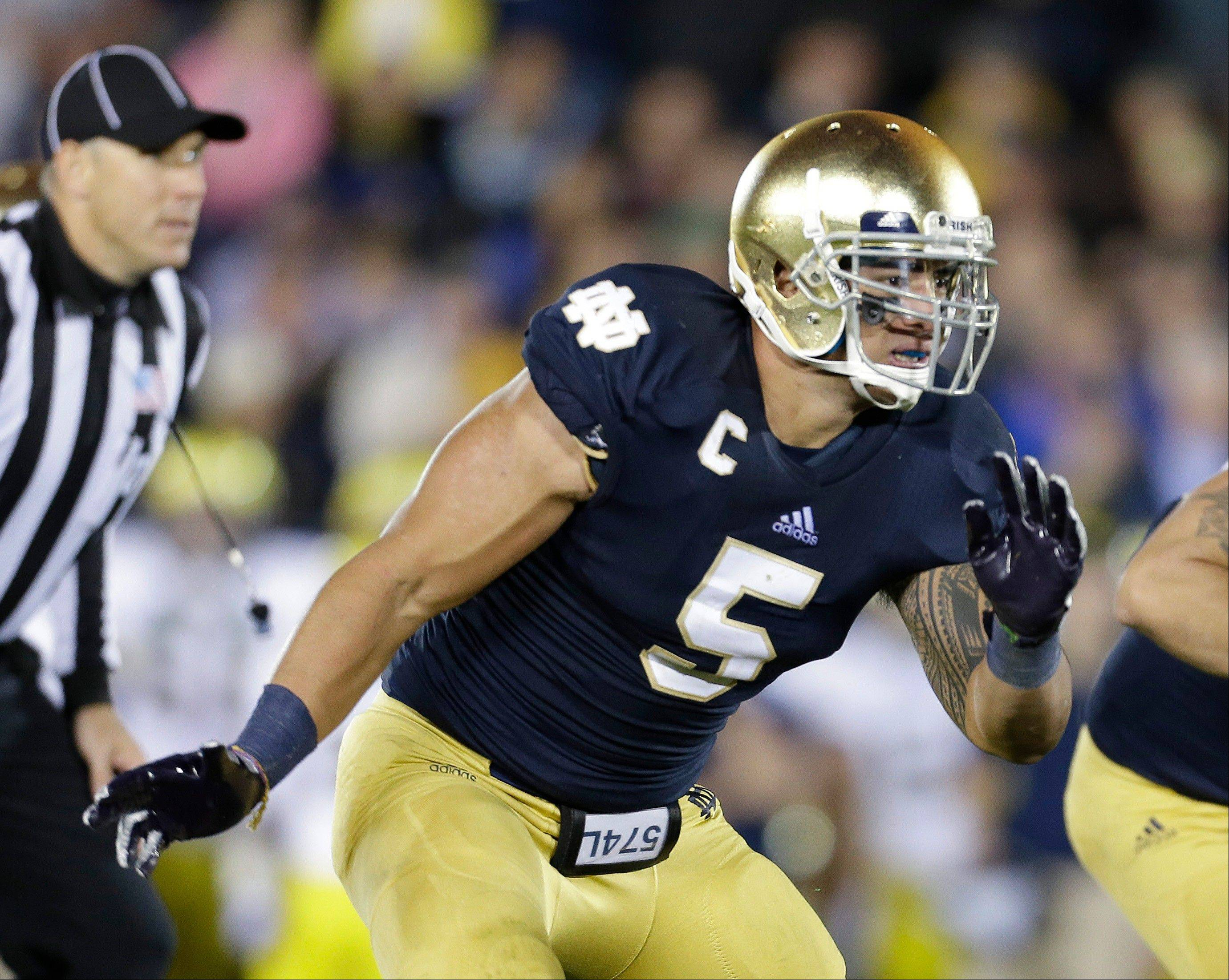 Notre Dame linebacker Manti Te'o pursues the football against Michigan, in South Bend, Ind. Notre Dame defensive coordinator Bob Diaco believes Manti Teío is the finest football player in college.