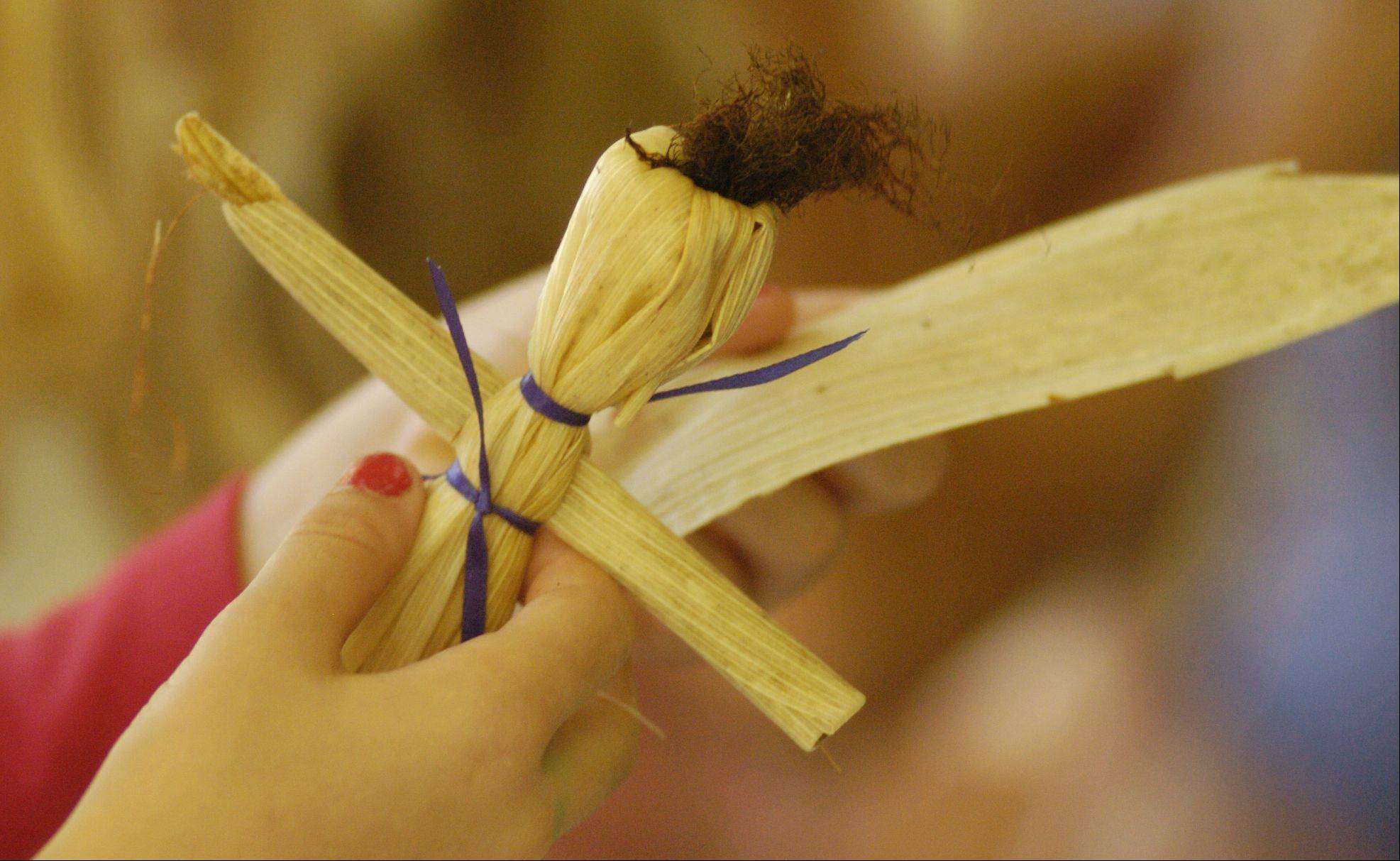Making corn husk dolls -- once a diversion from pioneer families' chores -- is a novel activity for today's children and adults.
