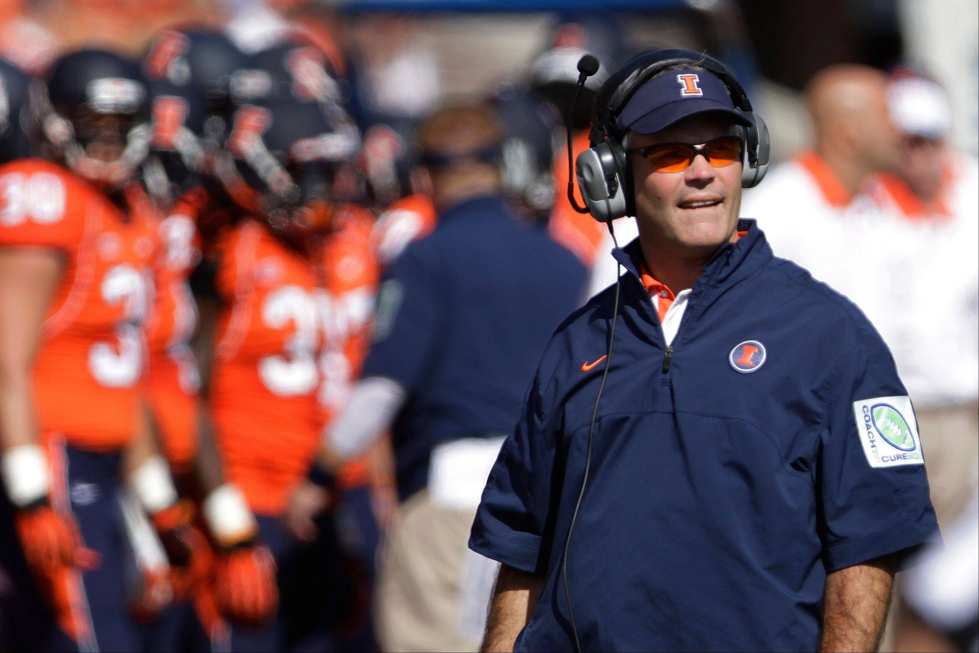 Illinois head coach Tim Beckman looks on from the sidelines Saturday during the second half against Penn State last week in Champaign. Penn State defeated Illinois 35-7.