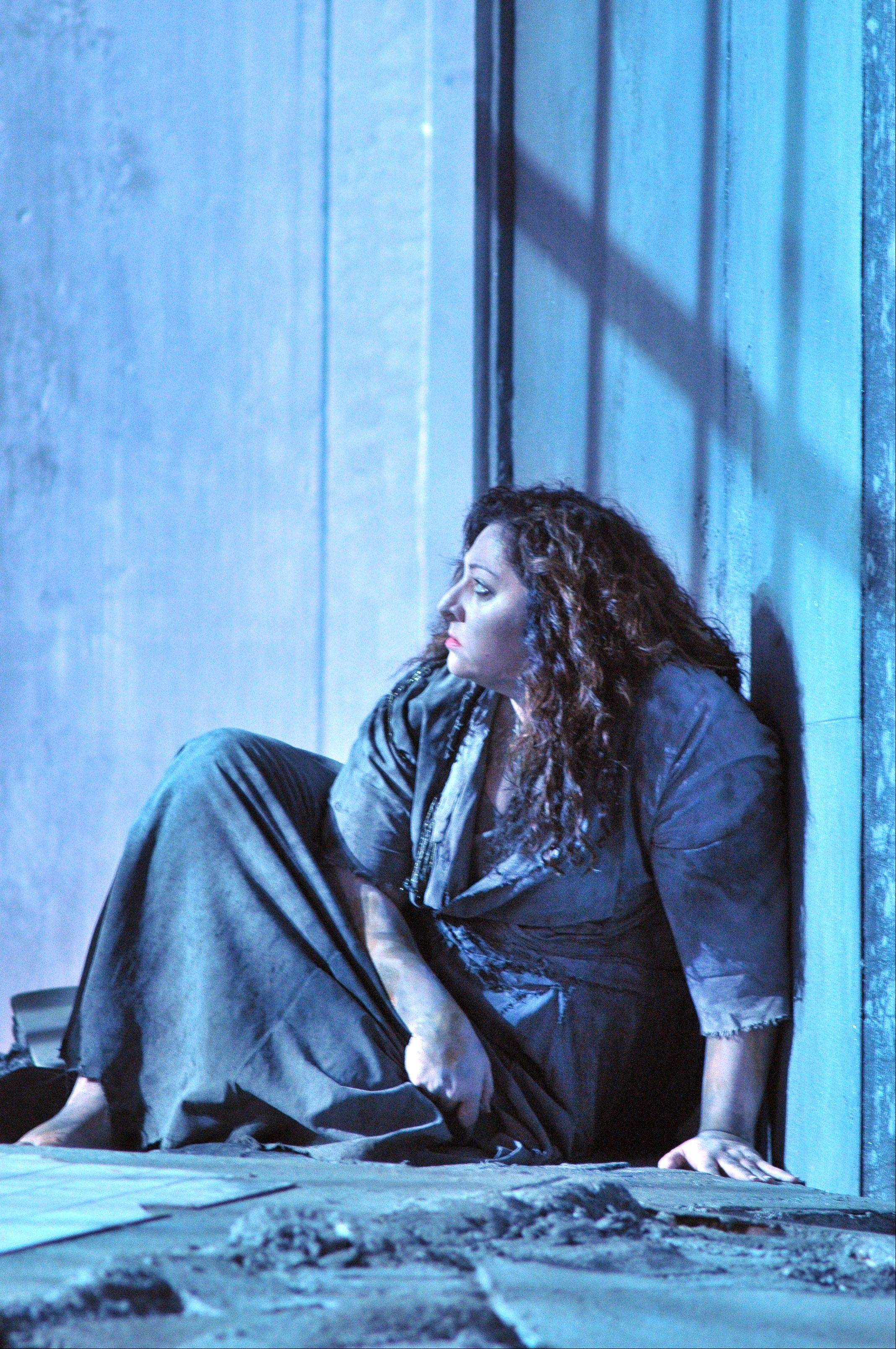 "American soprano Christine Goerke stars in the title role of Lyric Opera of Chicago's new production of ""Elektra,"" which opens the Lyric's 2012-13 season."
