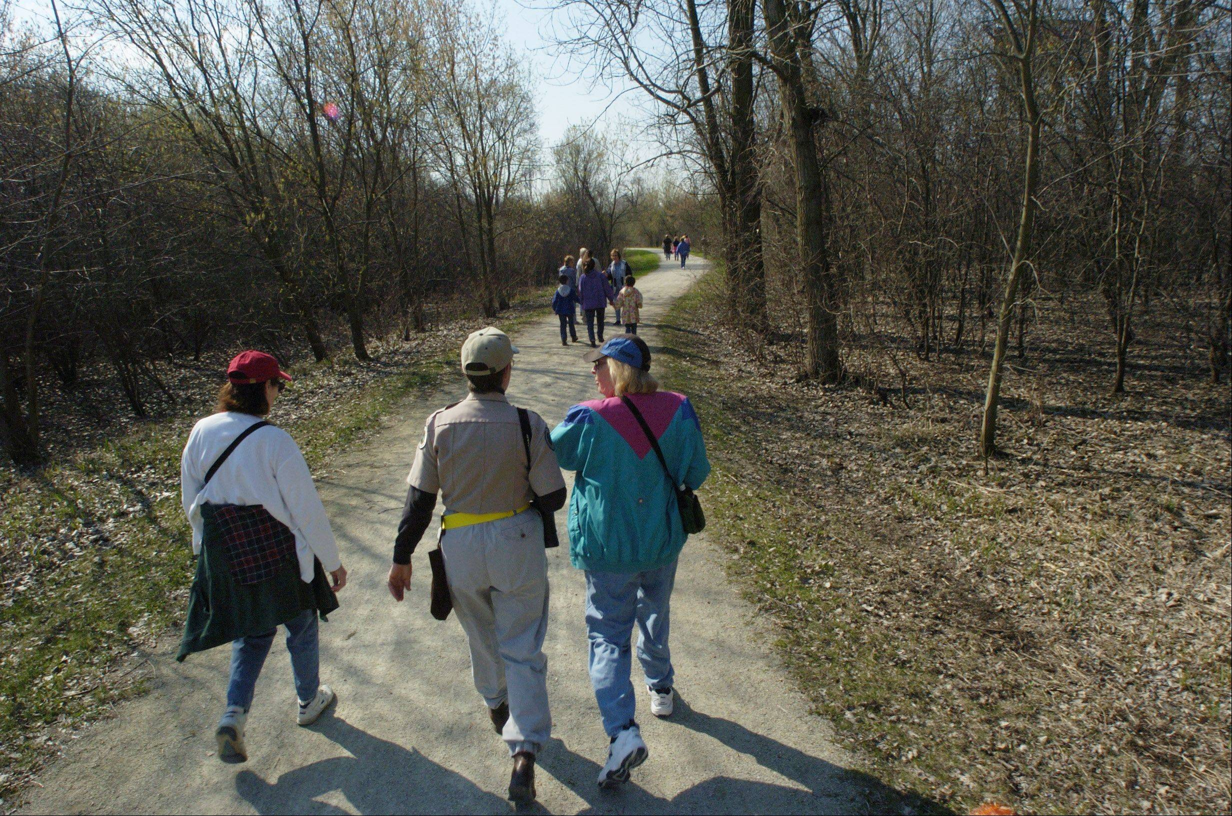 Connecting local and regional amenities through an improved trail system is the goal of Antioch officials, who are partnering with the Chicago Metropolitan Agency for Planning to produce a �lifestyle corridor� plan.