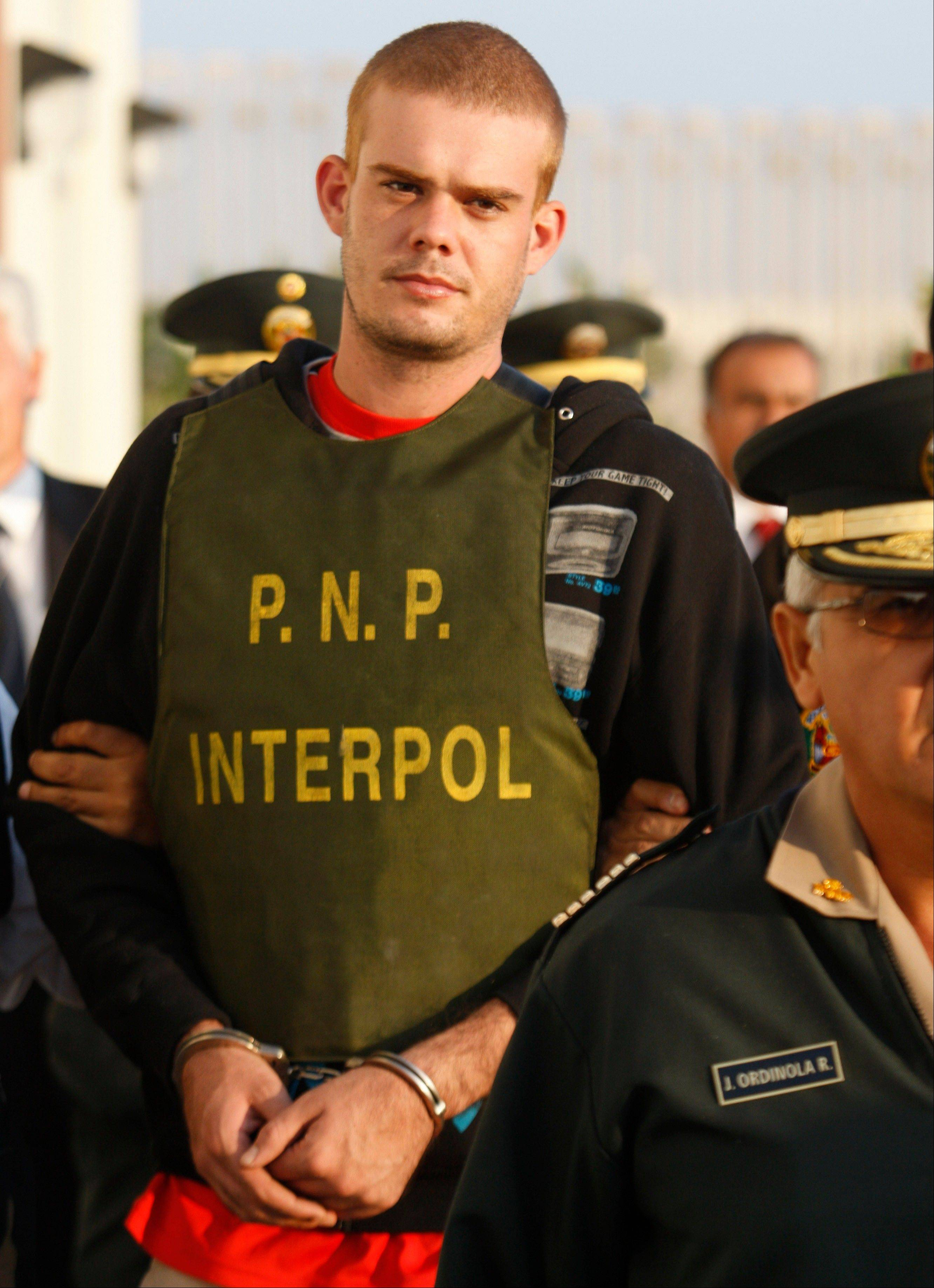 A Dutch newspaper said on Monday that Joran van der Sloot, who is serving a 28-year-sentence for murdering a young Peruvian woman, has impregnated a woman while imprisoned in Lima.