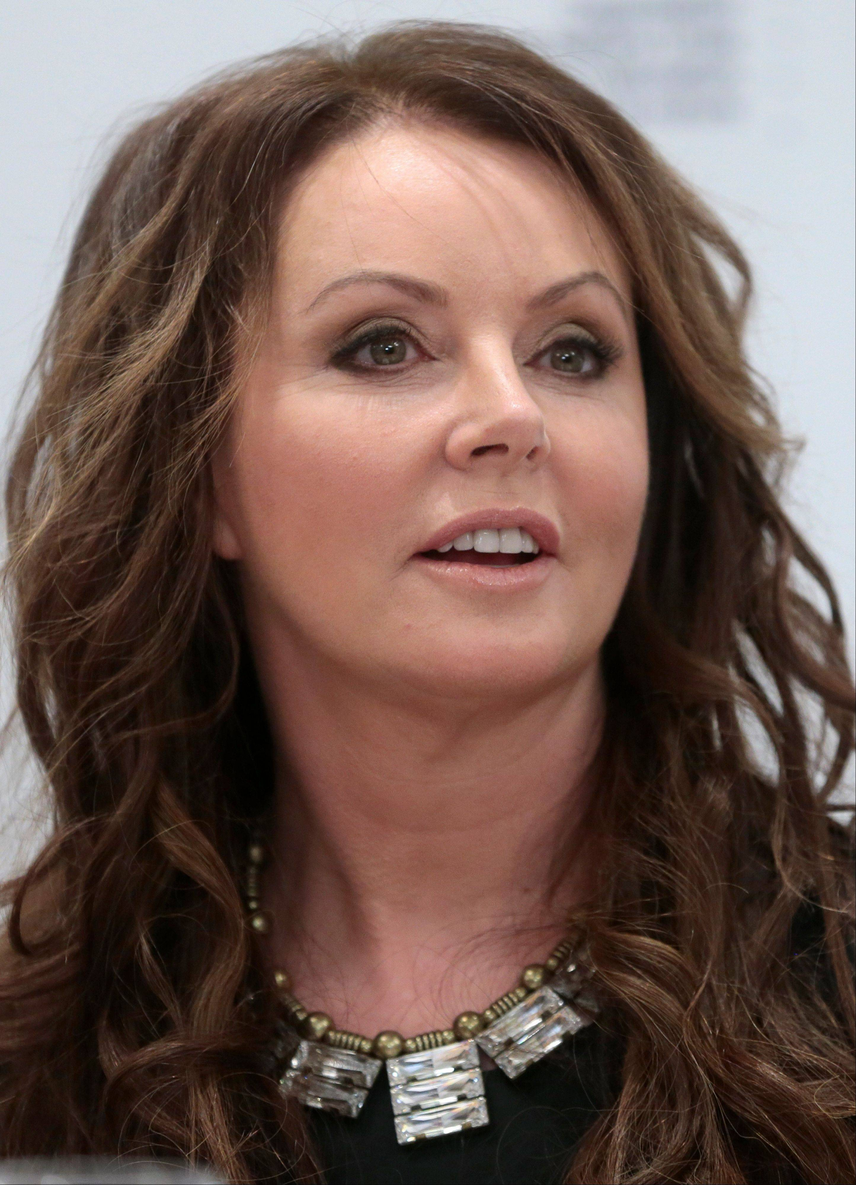 British singer Sarah Brightman is to become the first global recording artist to take a spaceflight, teaming up with Space Adventures for a journey to the International Space Station.