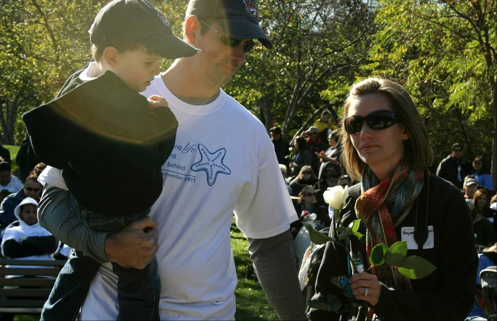 Families who have experienced miscarriage, stillbirth or early infant death will hear their babies' name read and receive a white rose during a memorial ceremony at A Walk to Remember.