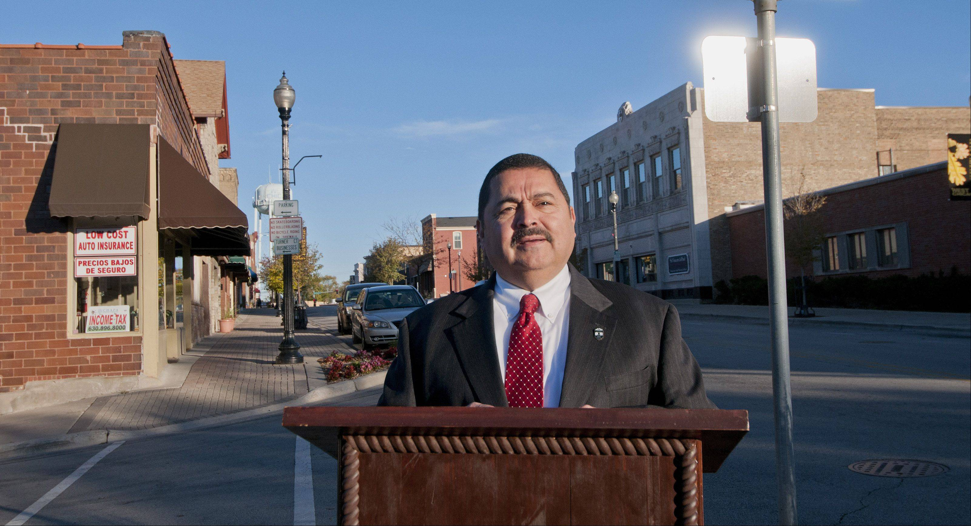 Acting Mayor Ruben Pineda announces his intention Friday to run for the West Chicago post in April after being appointed to the seat earlier this year.