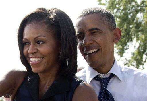 First Lady Michelle Obama already has mailed her absentee ballot and President Obama plans to vote in person in Illinois on Oct. 25.