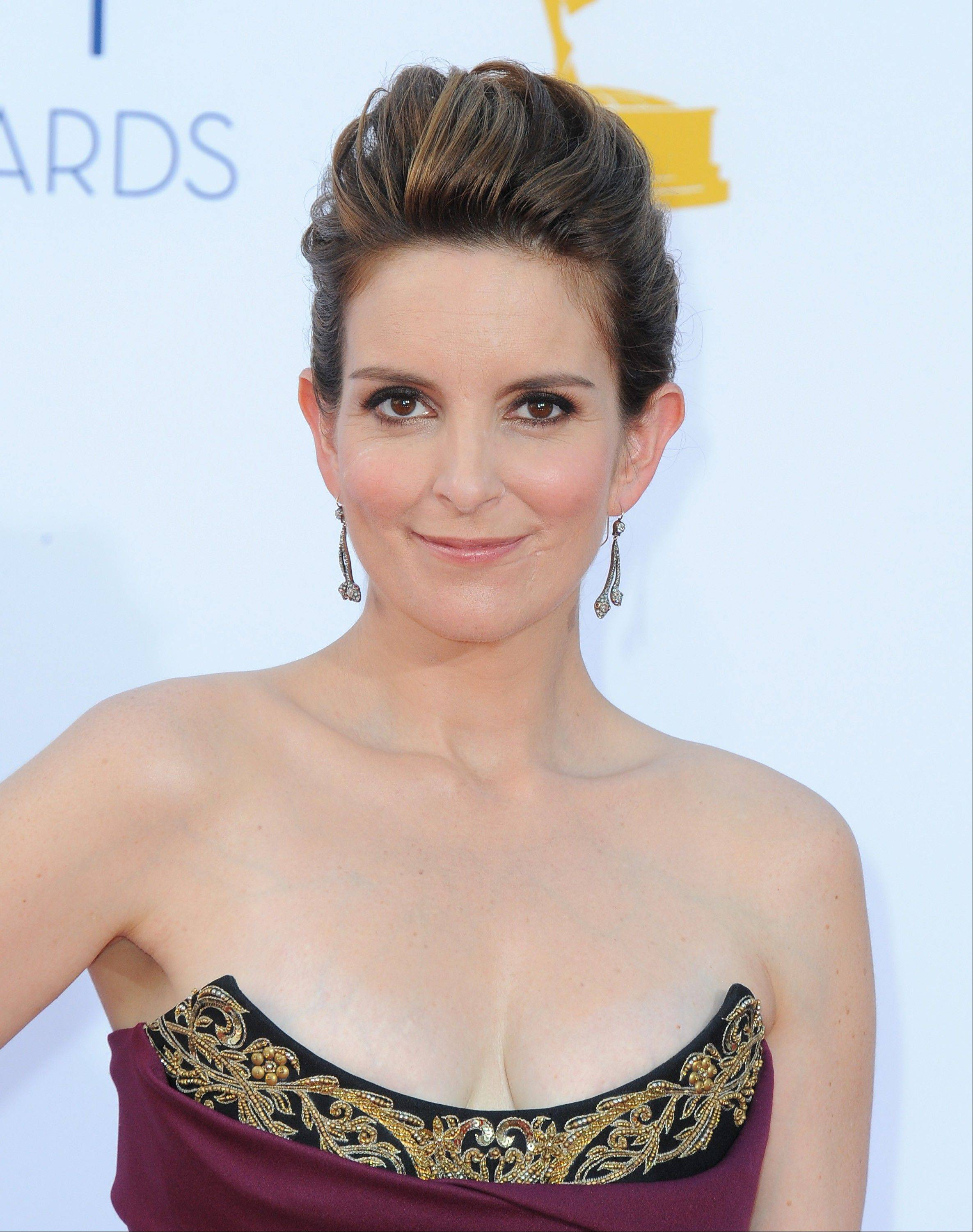 Tina Fey and Amy Poehler have signed on to host the 70th annual Golden Globes ceremony in January.