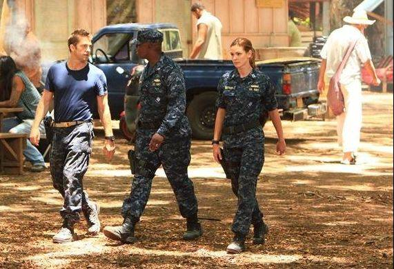 "Complications mount as the officers of the USS Colorado (Scott Speedman, left, Andre Braugher and Daisy Betts) fight to clear their names and return home in ABC's new drama ""Last Resort."""