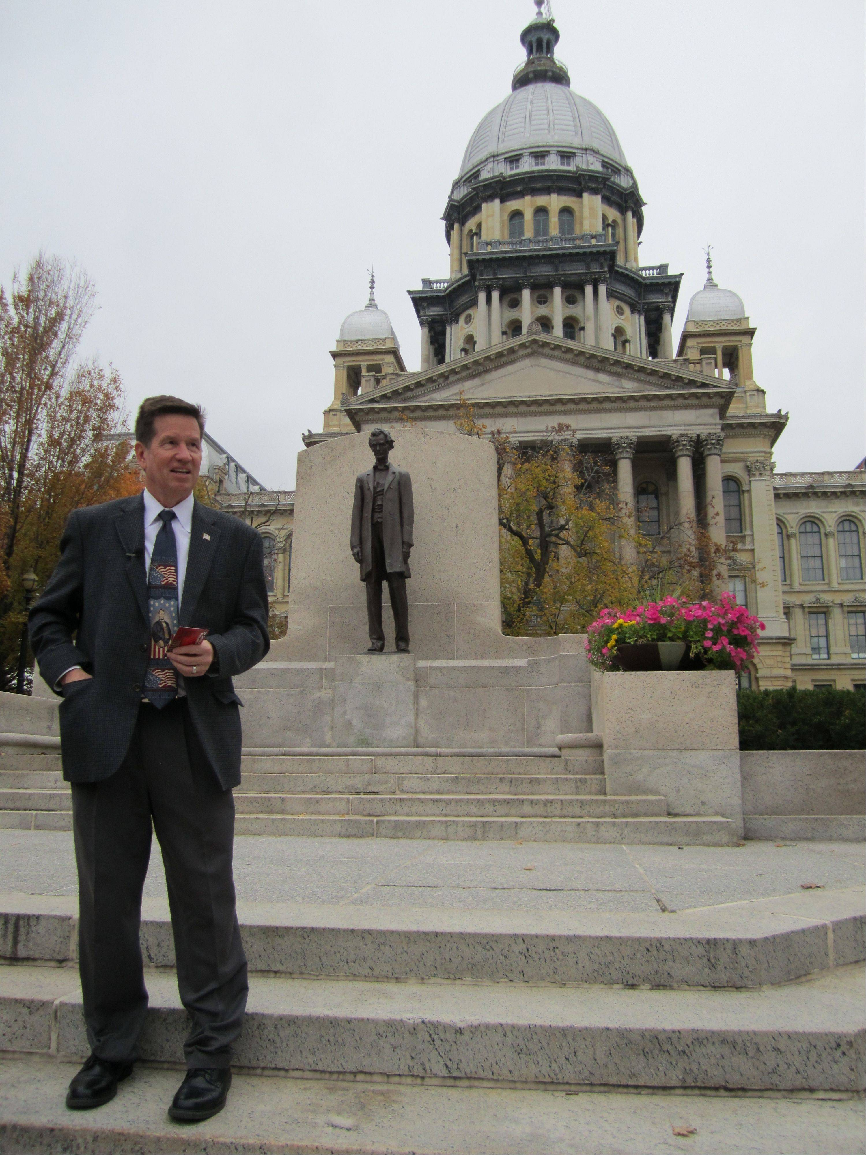 With the bronze likeness of Abraham Lincoln at his back Wednesday in Springfield, Mickey Straub successfully finished his pilgrimage to read the Gettysburg Address from the steps of all 50 state capitols.