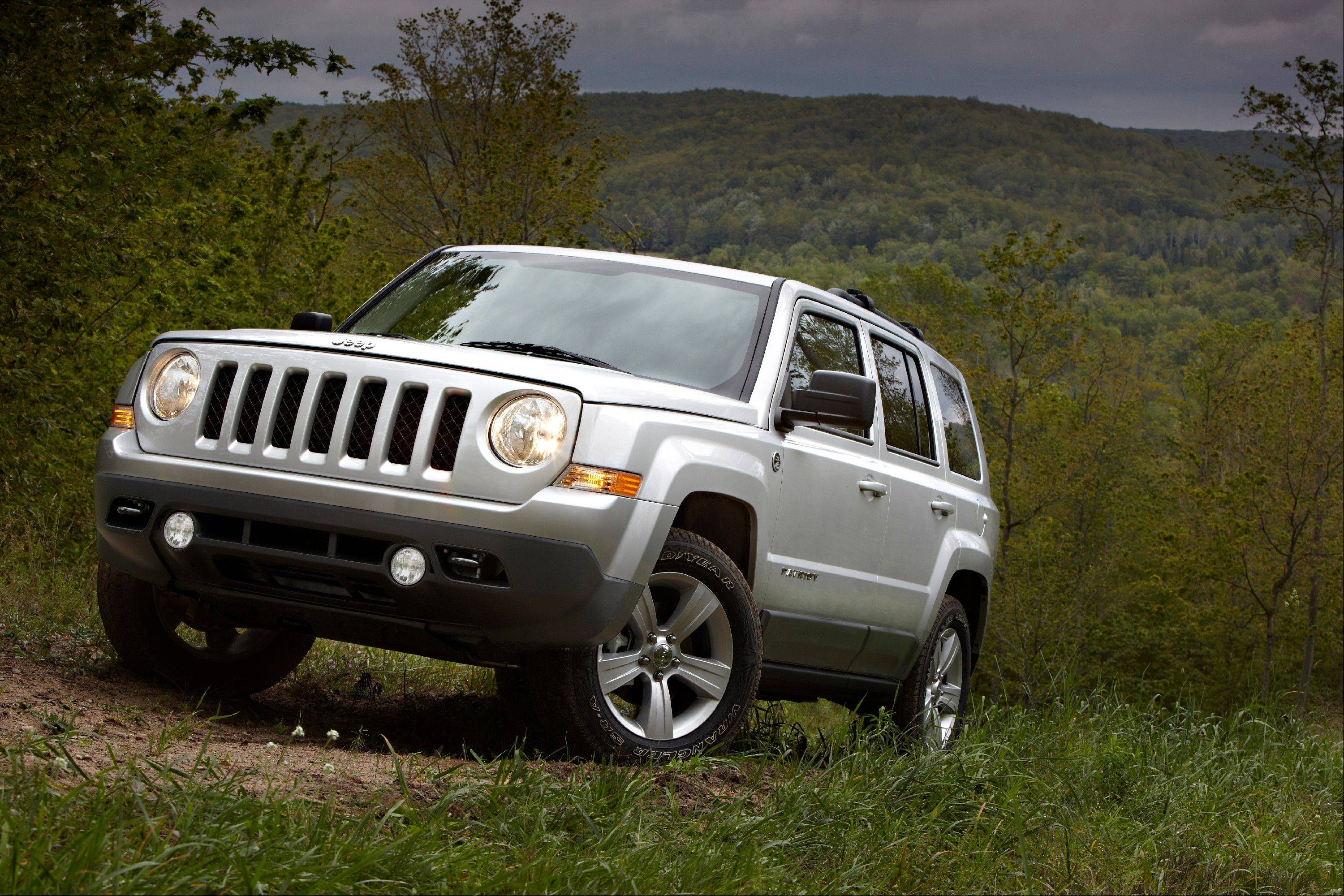 U.S. government safety regulators are investigating complaints that engines on Jeep Patriot SUVs can stall without warning at highway speeds.
