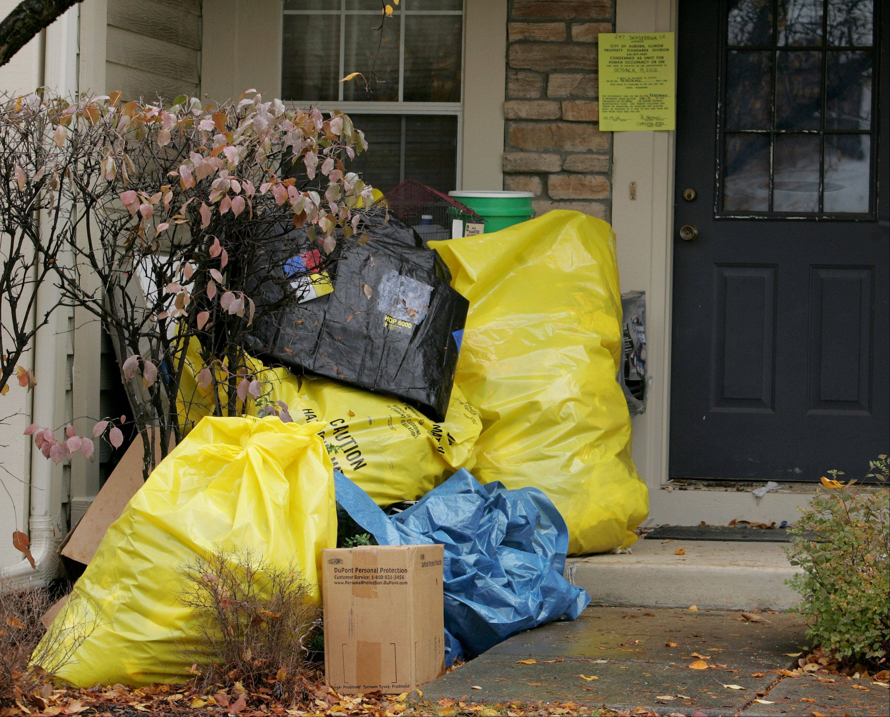 Dead birds, mounds of trash found in Aurora home