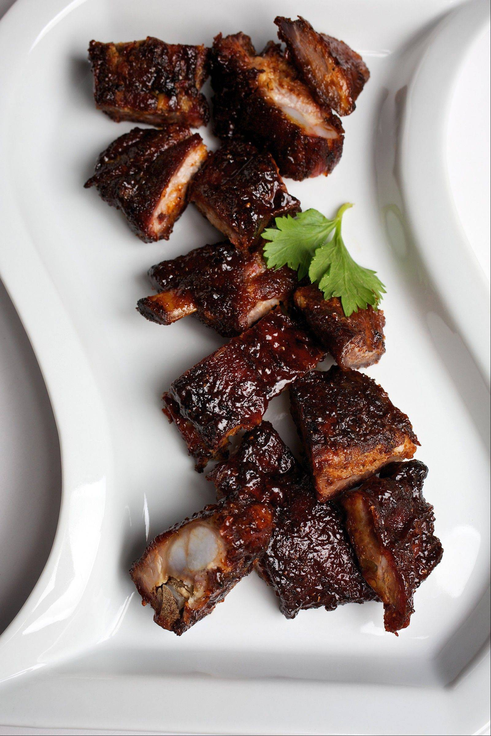 While Chicago is home to several four-star fine dining restaurants, it also boasts some of the best smoked rib tips in the country.