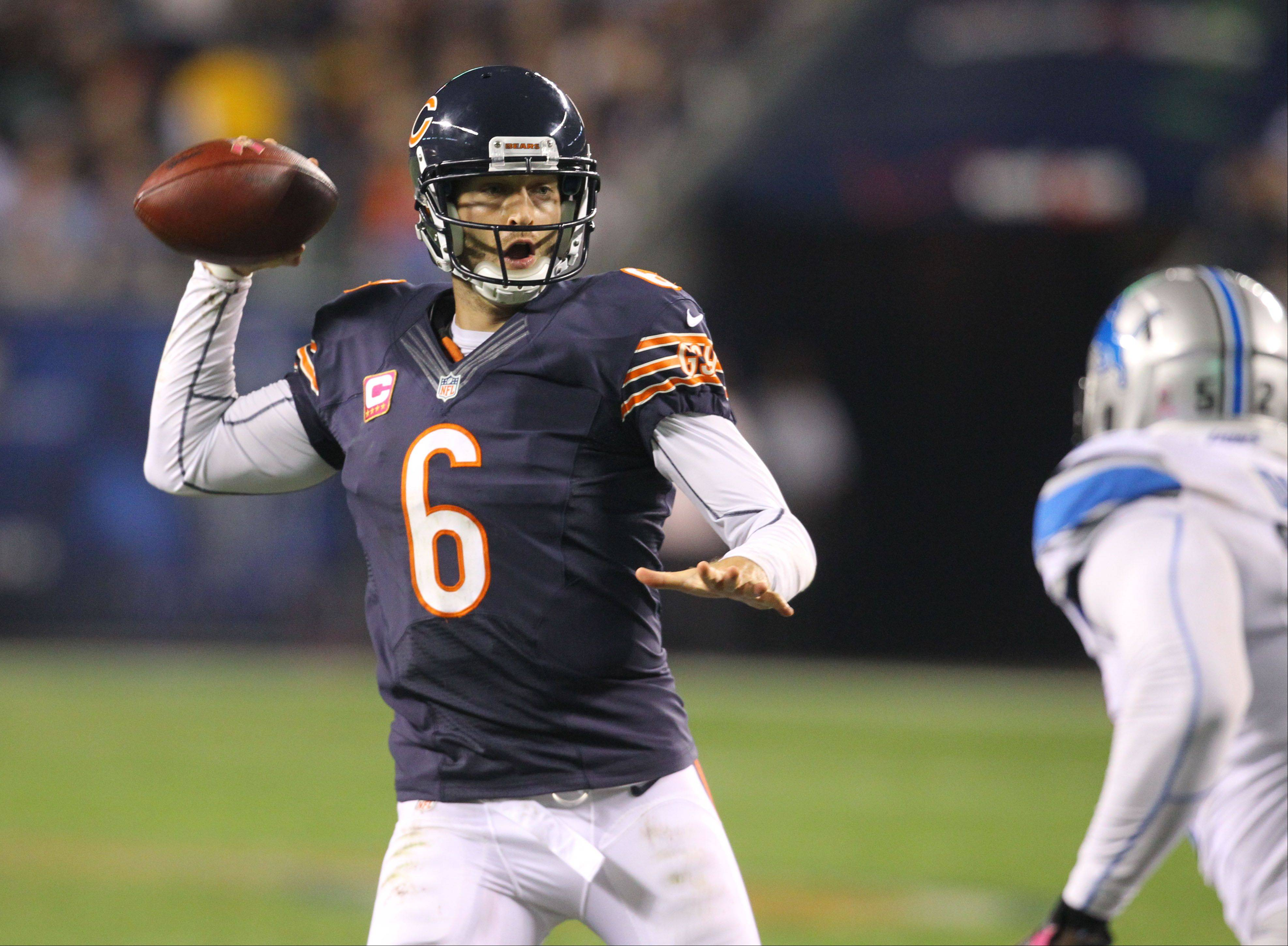 Chicago Bears quarterback Jay Cutler looks to throw.