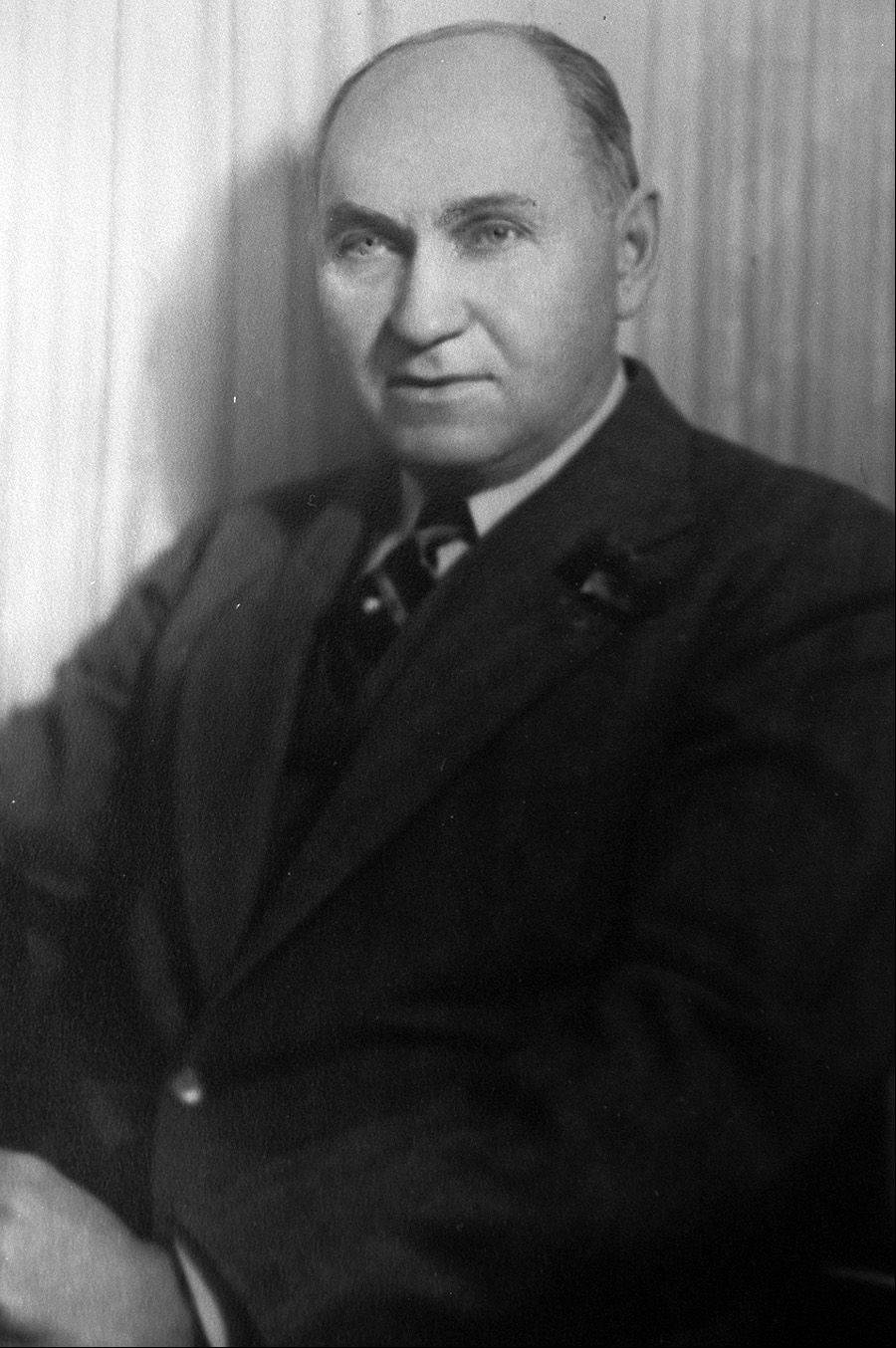 Julius Flentie, mayor 1927-1941