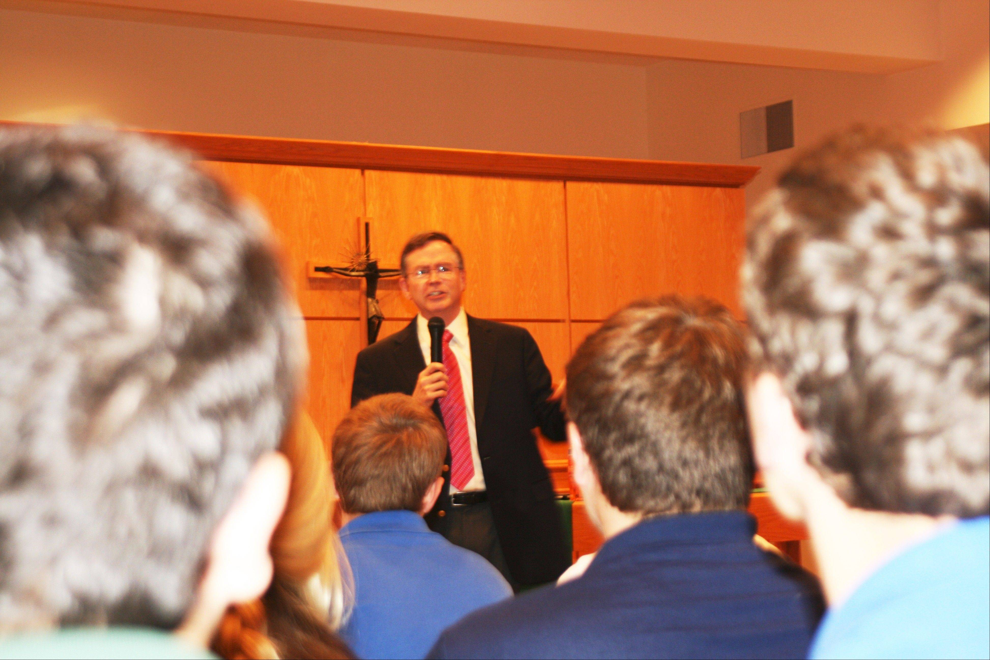 Distinguished Alumni Jim Fruchterman, St. Viator class of 1976, speaks with Viator students.