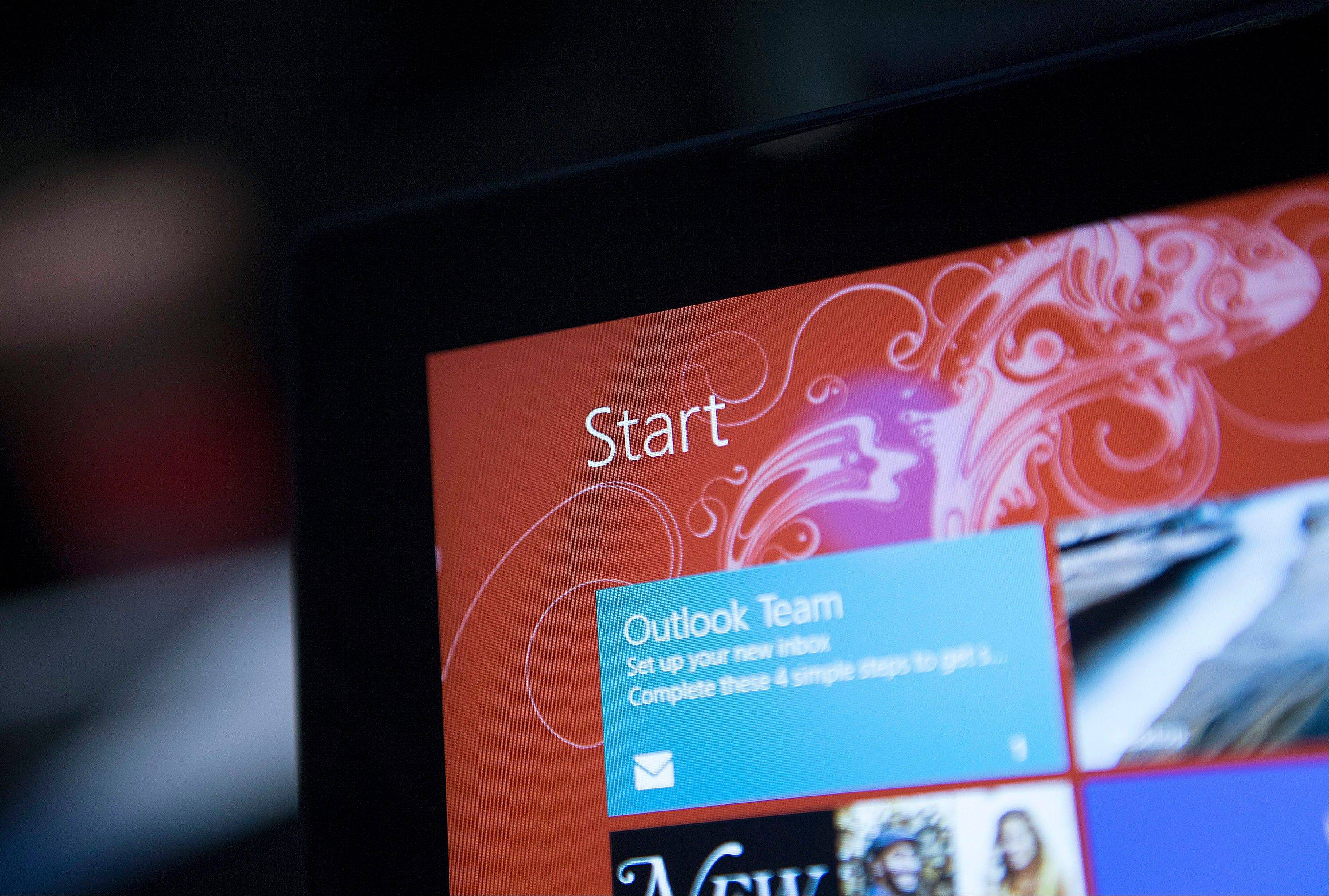 The �Start� icon is displayed on a Microsoft Corp. Surface tablet computer during an event in New York, U.S., on Thursday.