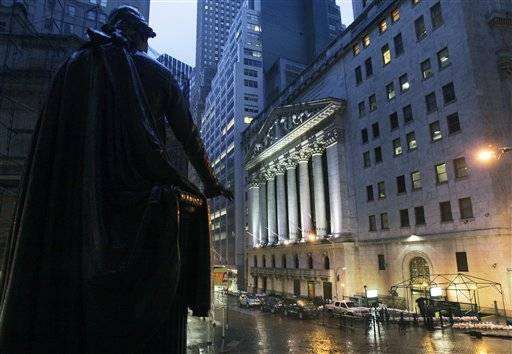 The statue of George Washington at Federal Hall near the front of the New York Stock Exchange