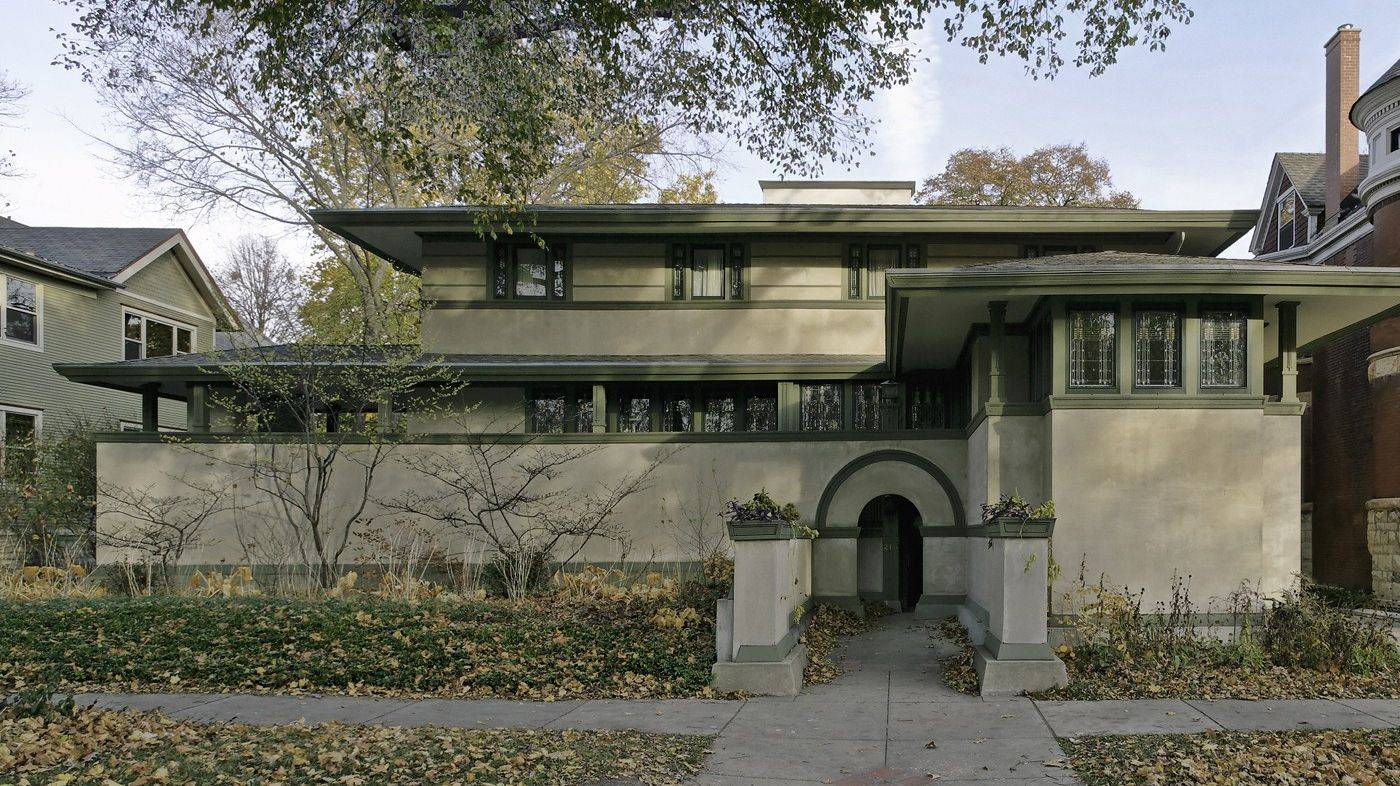 The Frank Lloyd Wright's Chicago bus tour will include visits to several homes designed by the famous architect in Oak Park.