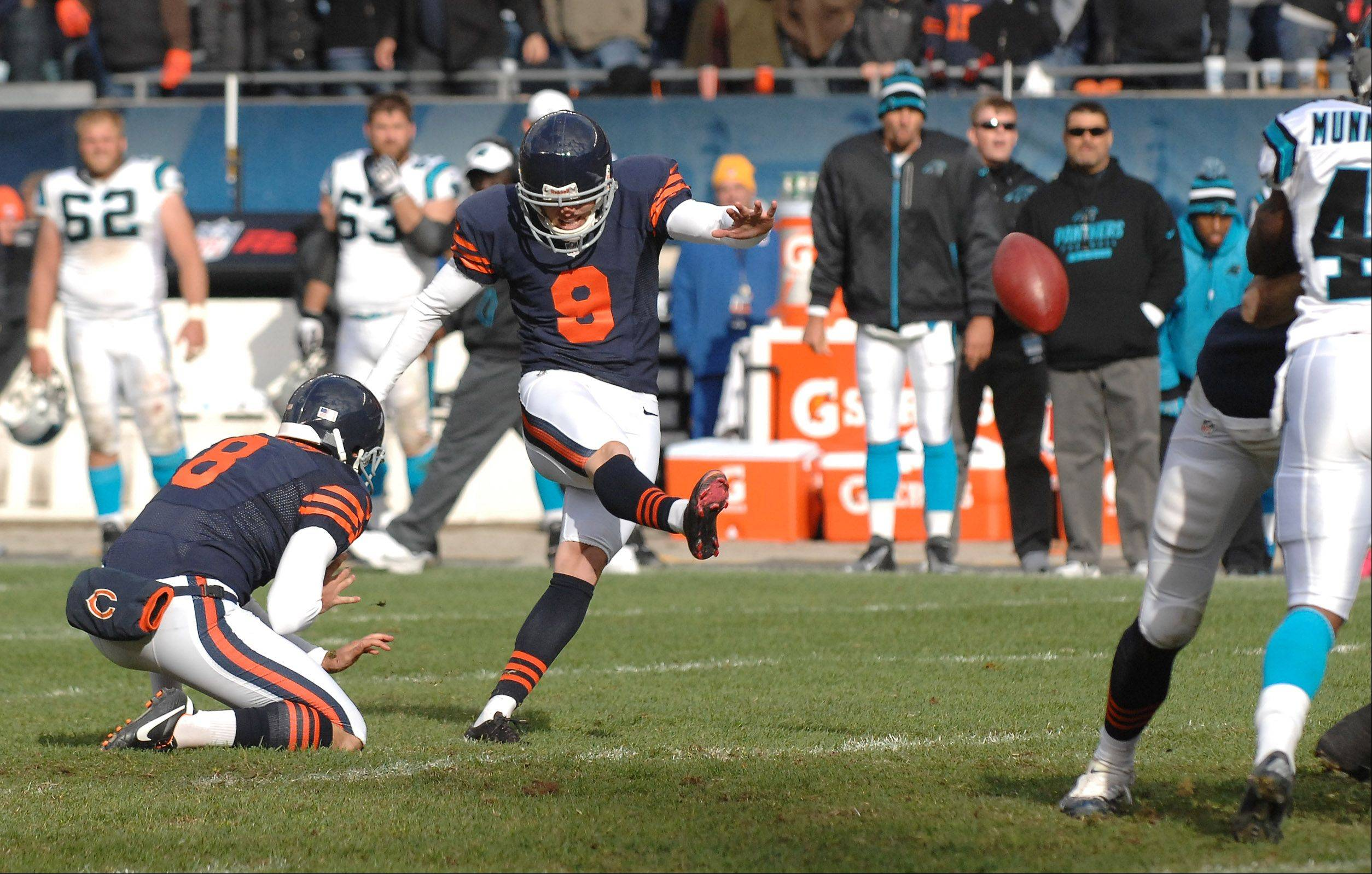 Chicago Bears kicker Robbie Gould (9) kicks the game-winning field goal as time expires during Sunday's game against Carolina at Soldier Field in Chicago.