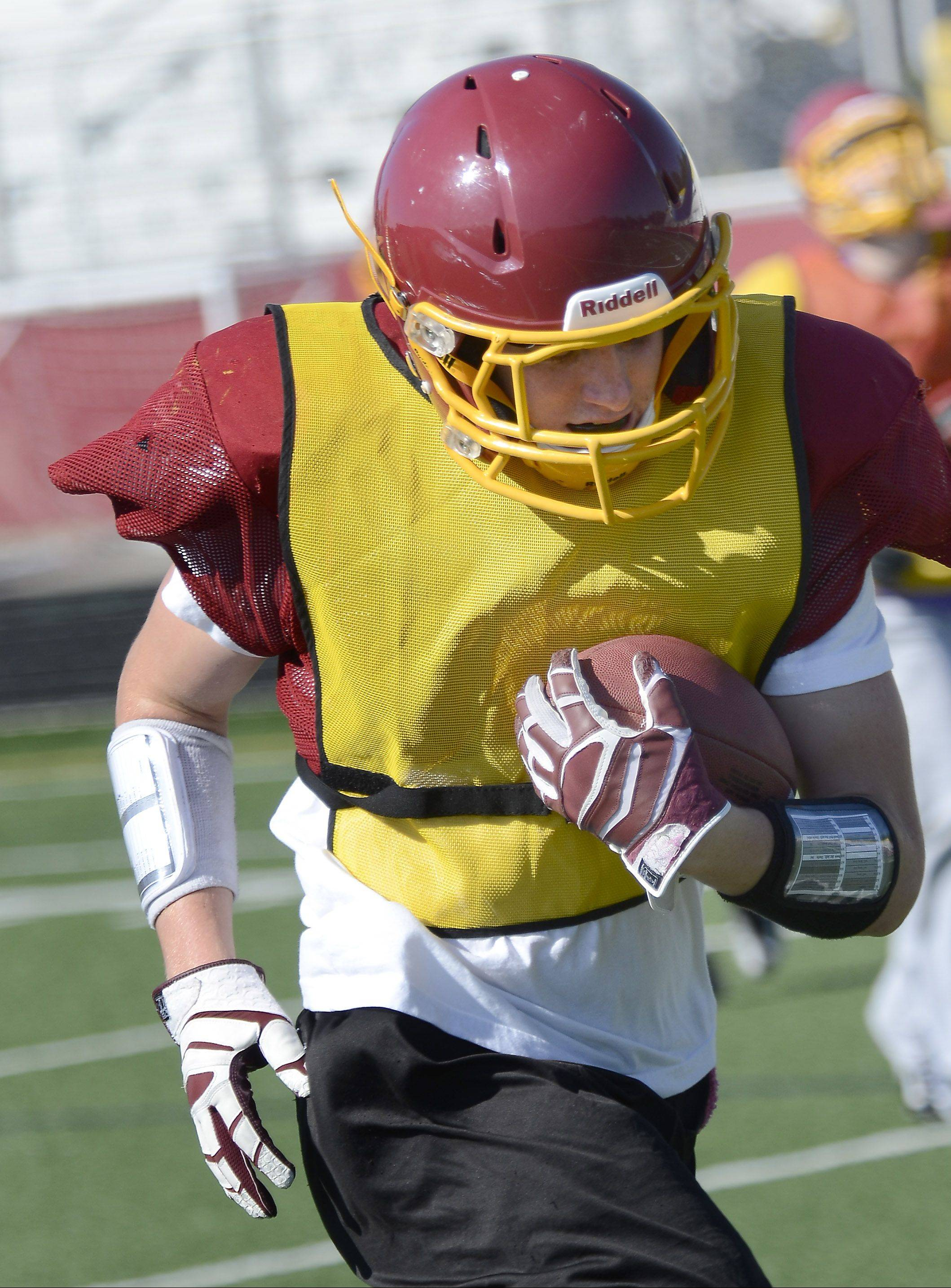 Two-way standout Cole Reyes fills a couple of key roles for Schaumburg heading into Saturday's second-round Class 8A playoff game at Palatine.
