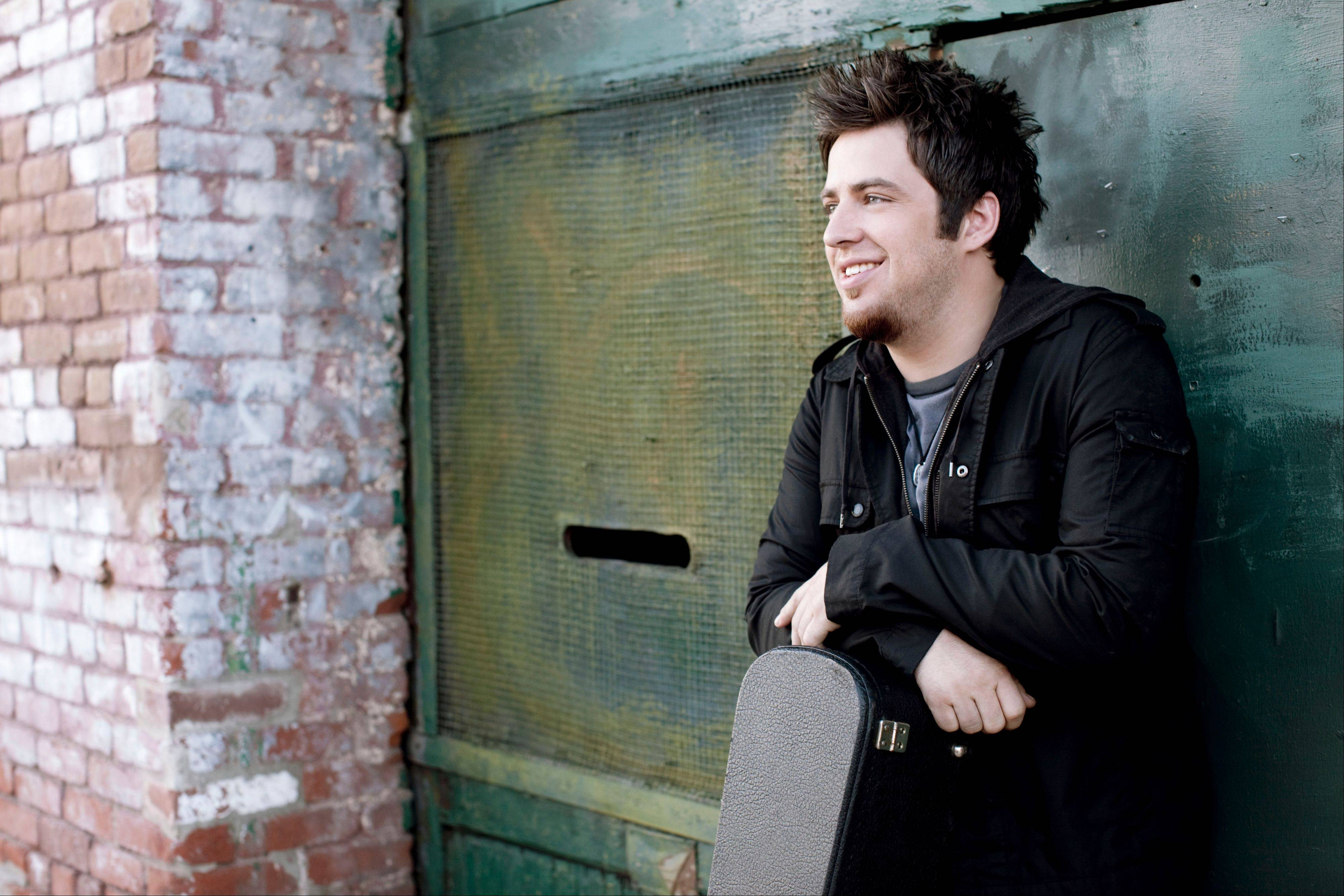 Lee DeWyze goes back to his roots with second album.