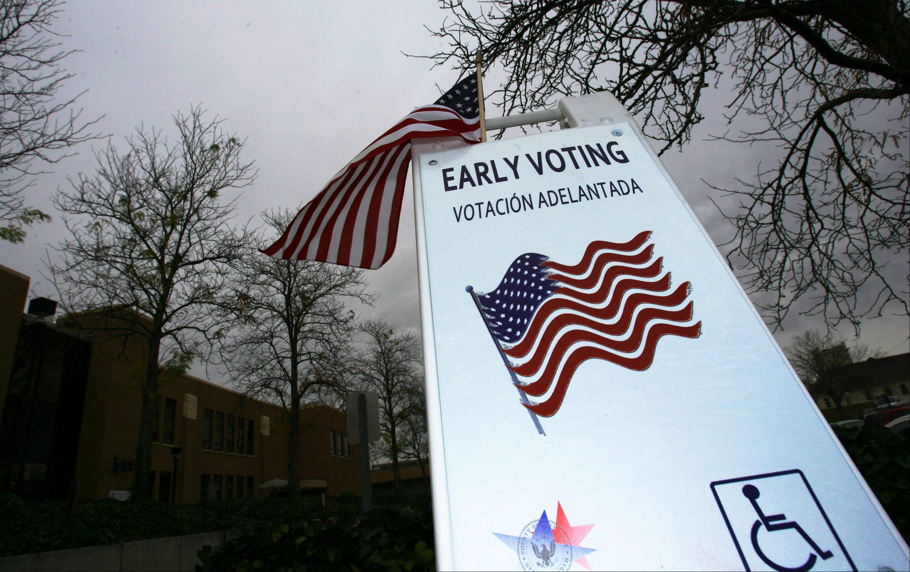 A sign reminds citizens to vote early at the Murray City Hall in Murray, Utah Thursday November 1, 2012.