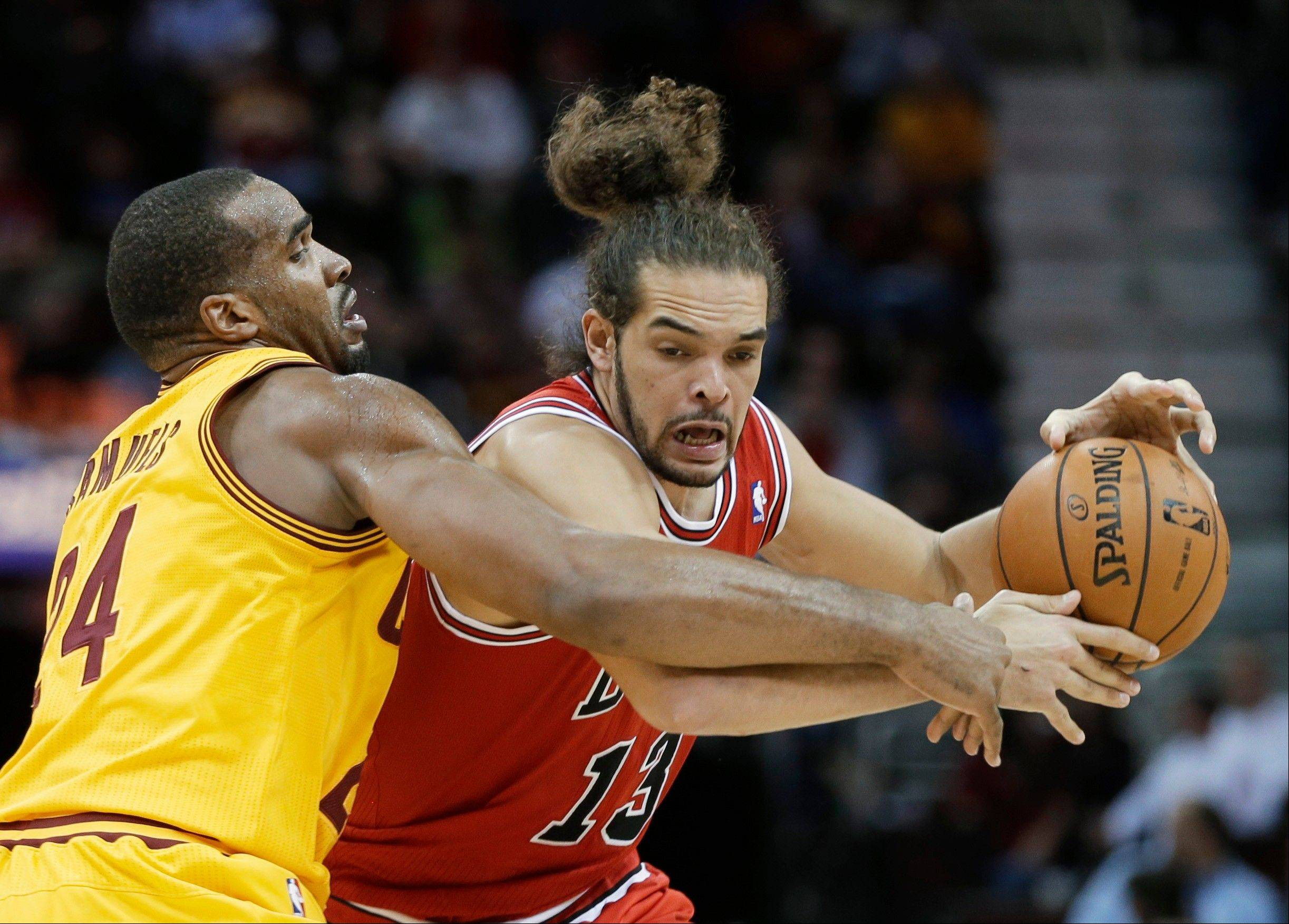 Cleveland Cavaliers' Samardo Samuels fouls the Bulls' Joakim Noah Friday during the fourth quarter.