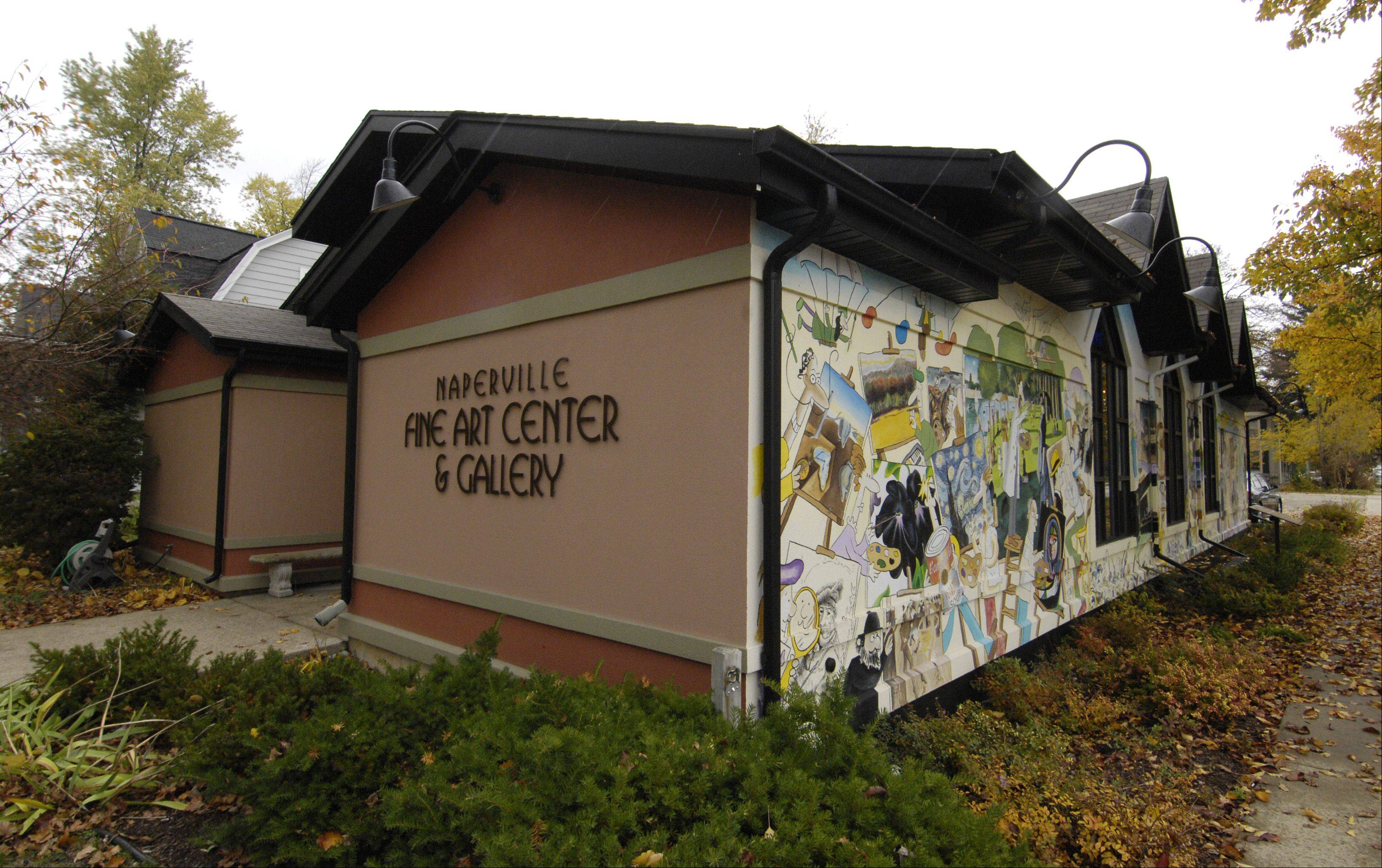 The Naperville Art League's Fine Art Center and Gallery features a mural that connects the art league to master artists.