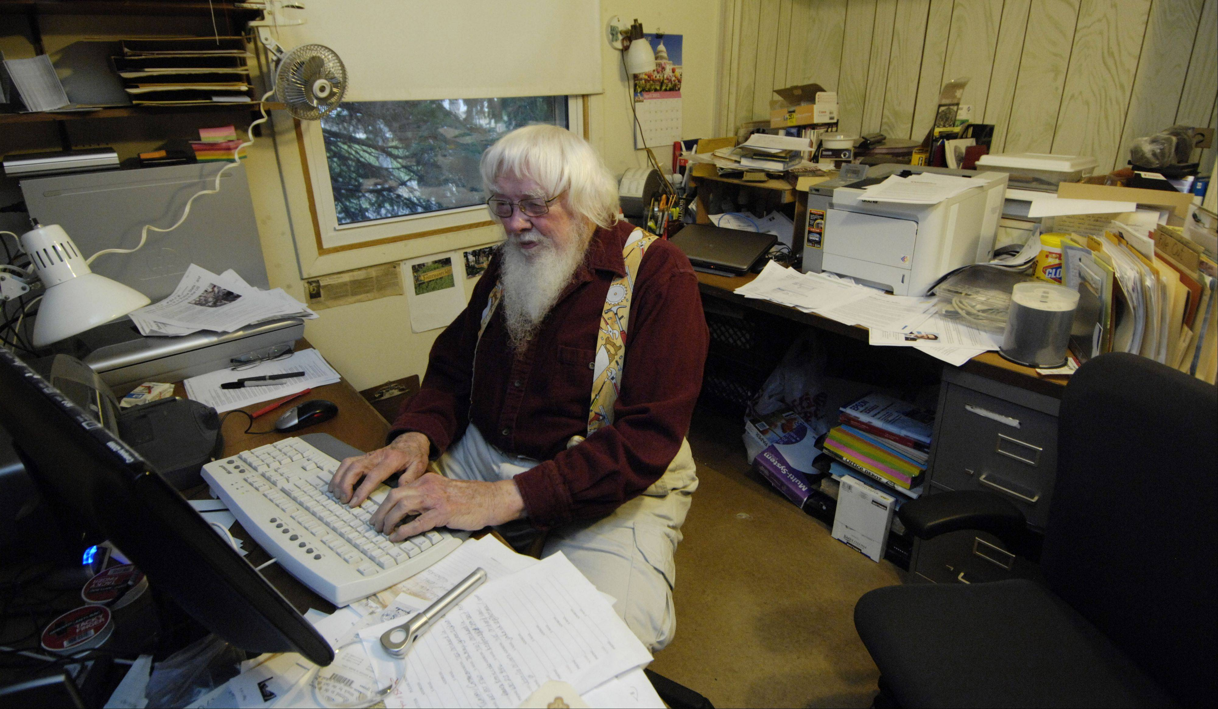 "JOE LEWNARD/jlewnard@dailyherald.comSitting in his Hanover Park home office where he writes his monthly newsletter, Willis ""Bill"" Farnham is a 91-year old precinct captain who knows how to bring out the votes. Meanwhile, his wife, Ruth, 79, is working the phones for the CREDO SuperPAC during this election."