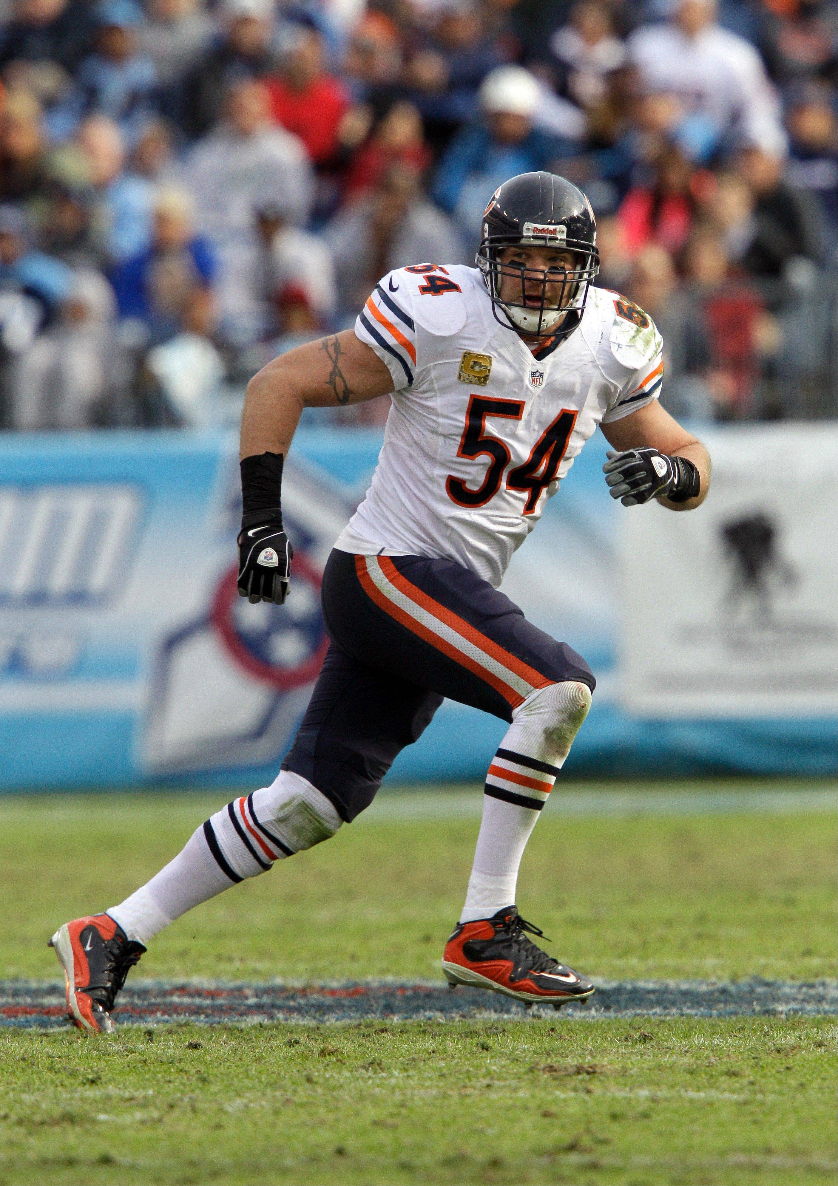 Bears middle linebacker Brian Urlacher is looking stronger these days. He had enough speed to return an interception for a 46-yard touchdown against the Tennessee Titans, and he had no problem chasing down speedy running back Chris Johnson.