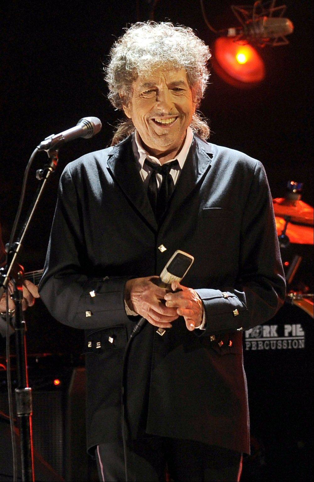 Bob Dylan performs Friday at the United Center.