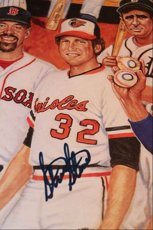 Steve Stone was one of the players who autographed lithographs that commemorate the role of Jews in Major League Baseball. The lithographs were created through the efforts of Greg Harris of Buffalo Grove.