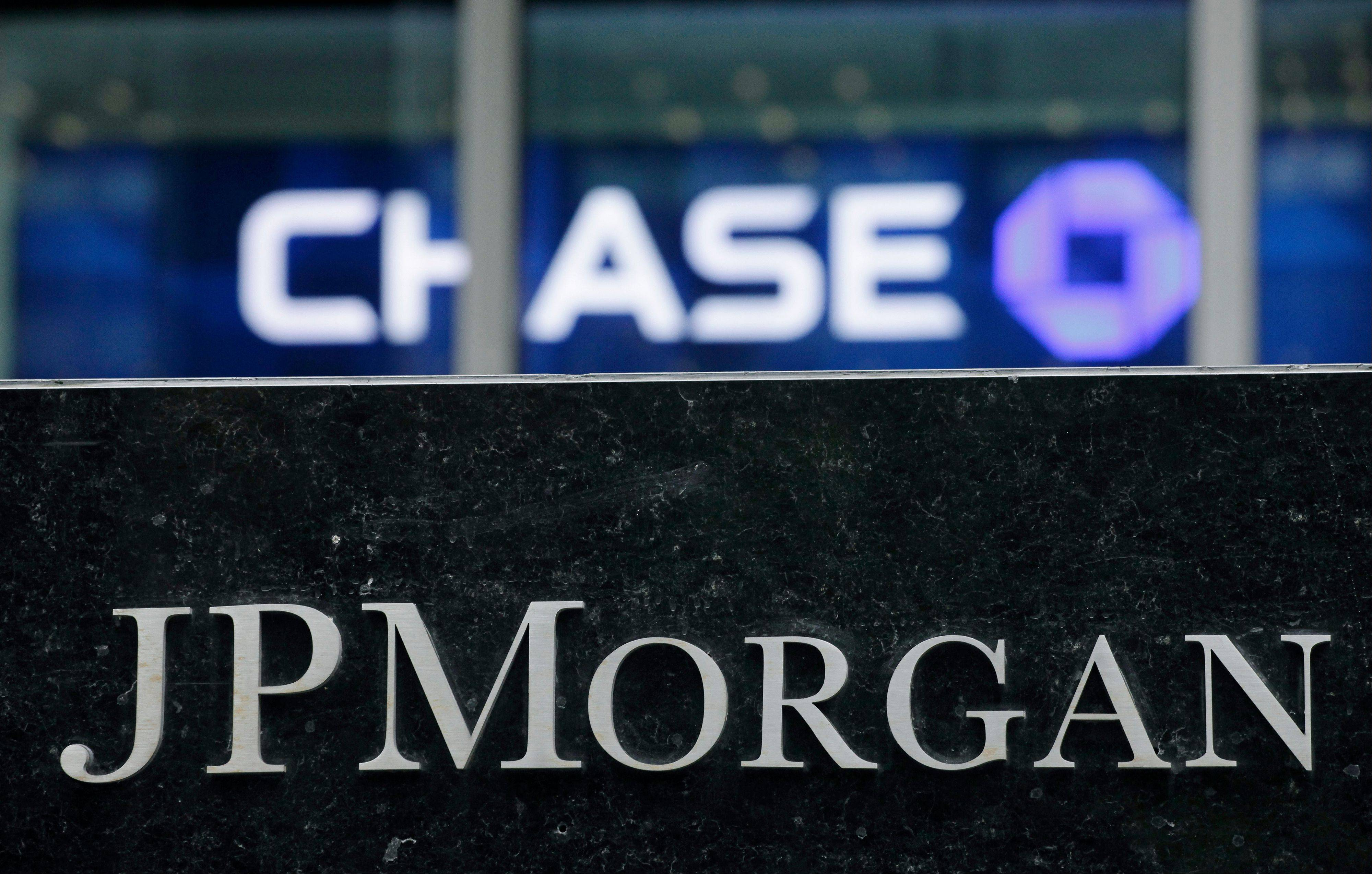 JPMorgan Chase & Co., the biggest U.S. bank, reached a settlement with regulators to resolve claims tied to its home-loan business and said it would buy back as much as $3 billion of shares.