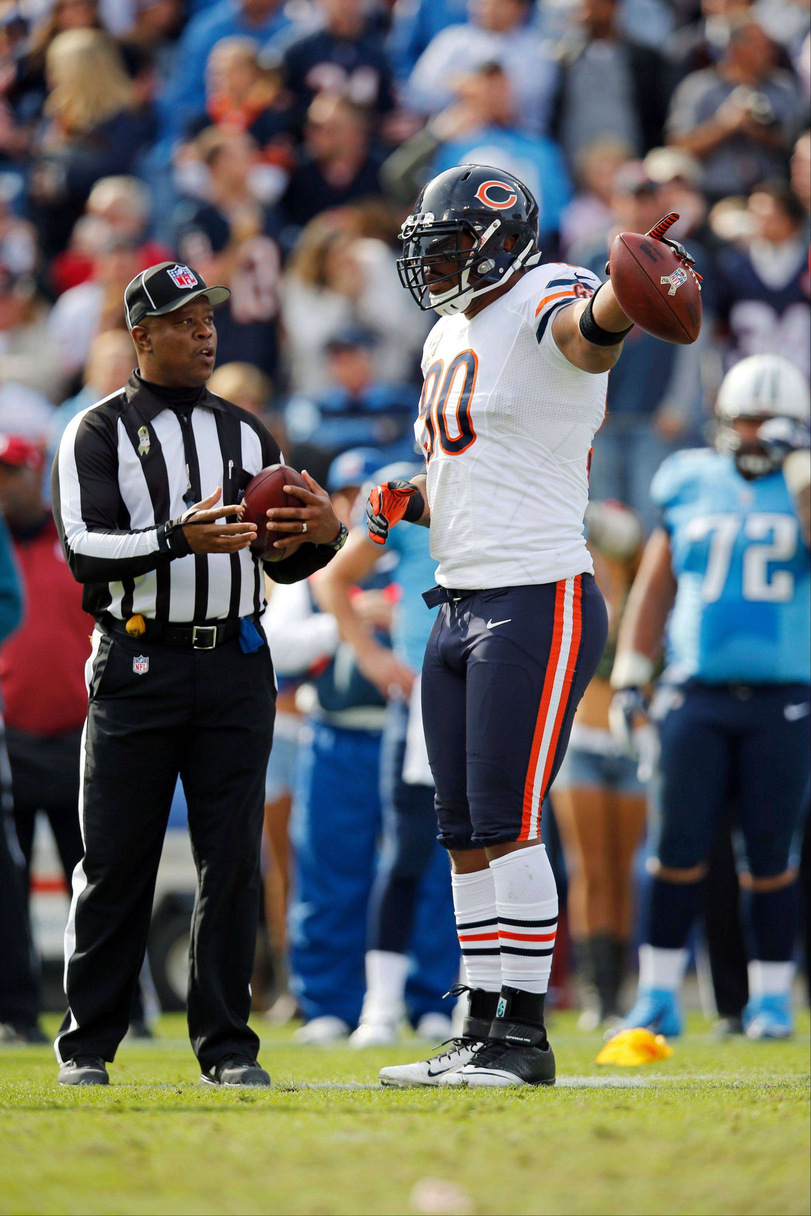 Bears defensive end Julius Peppers could step up and dazzle in Sunday night�s game against the Texans, according to Mike Spellman.