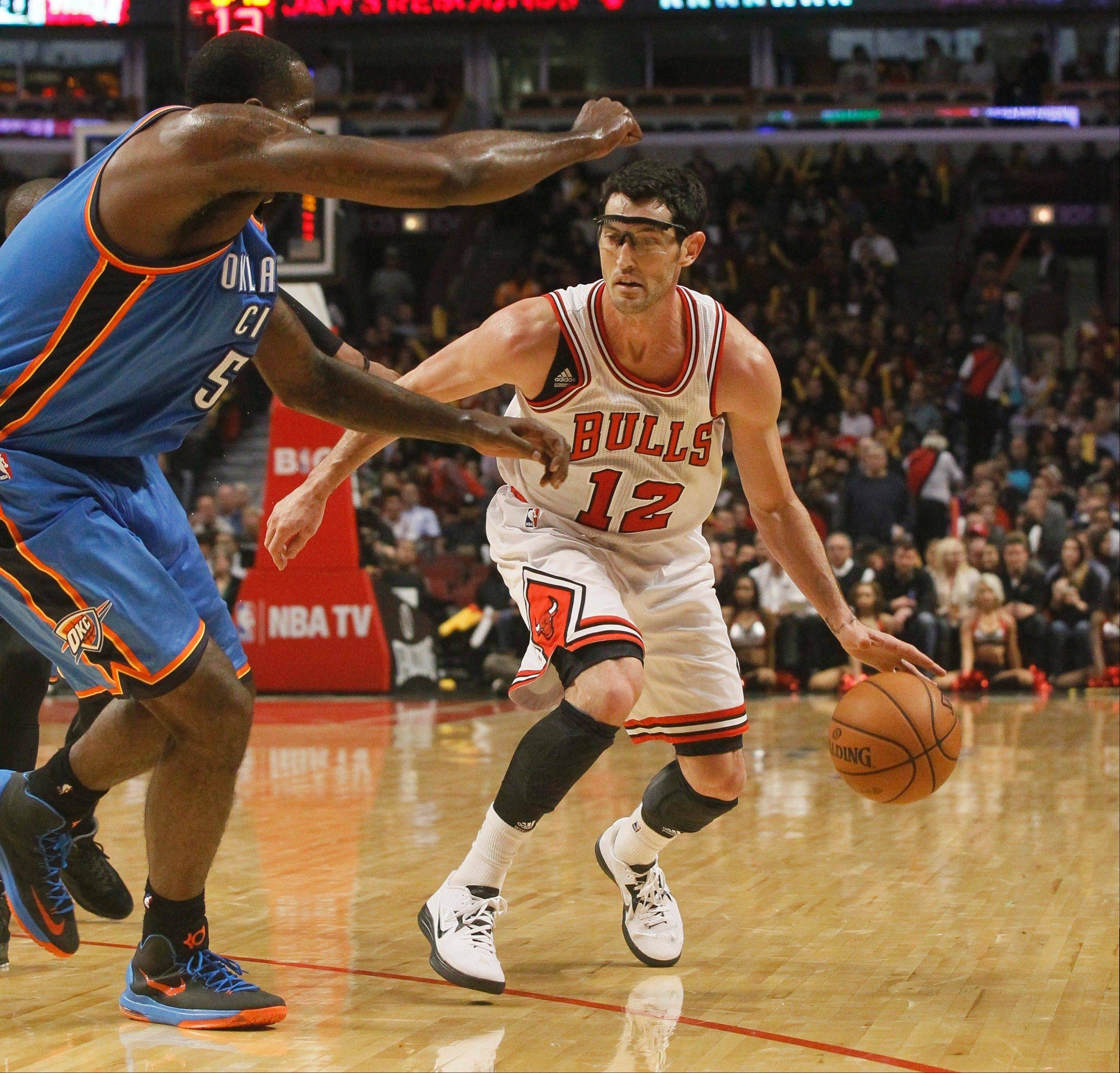 Bulls guard Kirk Hinrich has had some success from the 3-point range, but the Bulls have struggled all season to connect from long distance.