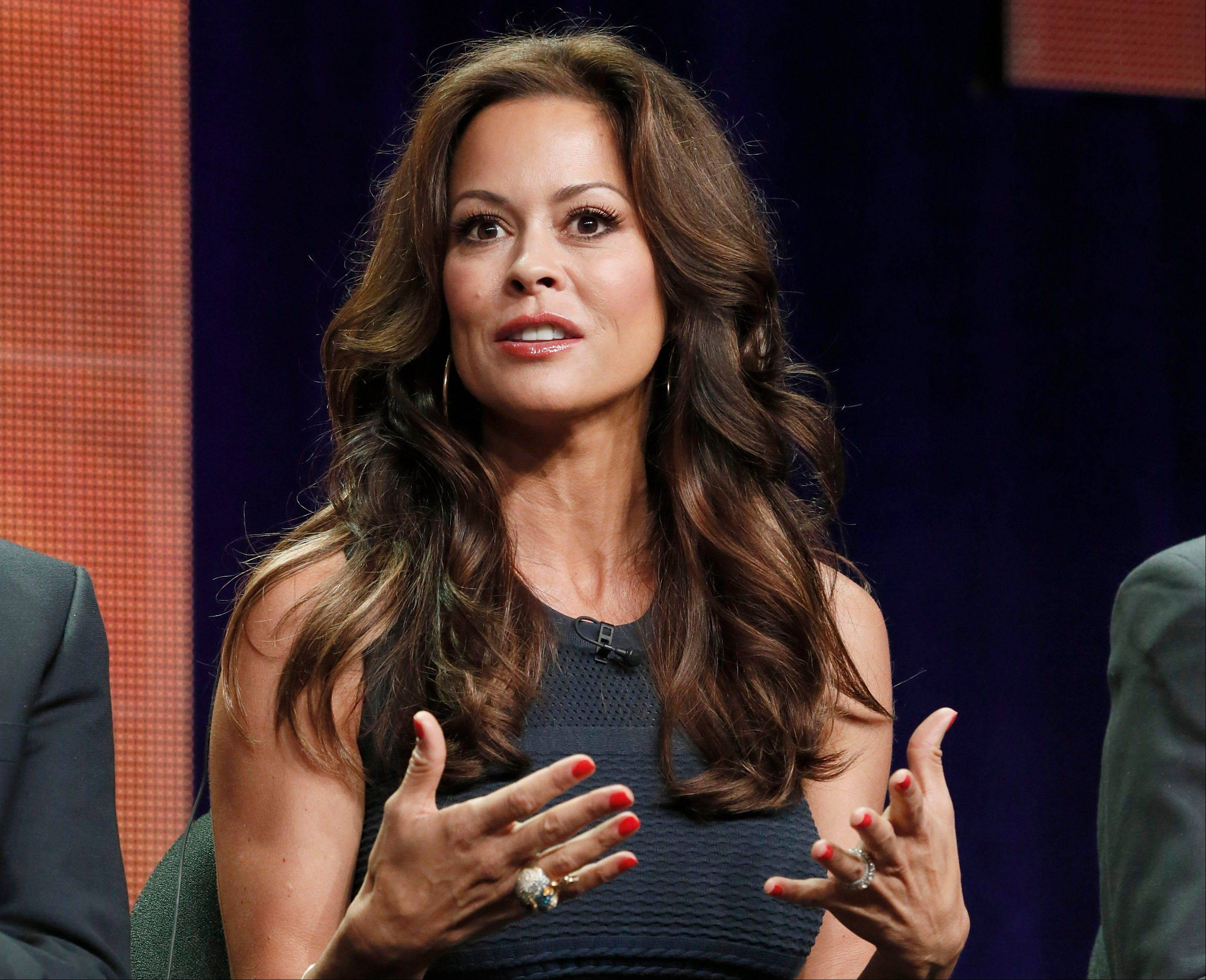 Brooke Burke posted a video message on YouTube disclosing that she has thyroid cancer. She plans to have surgery to remove her thyroid.