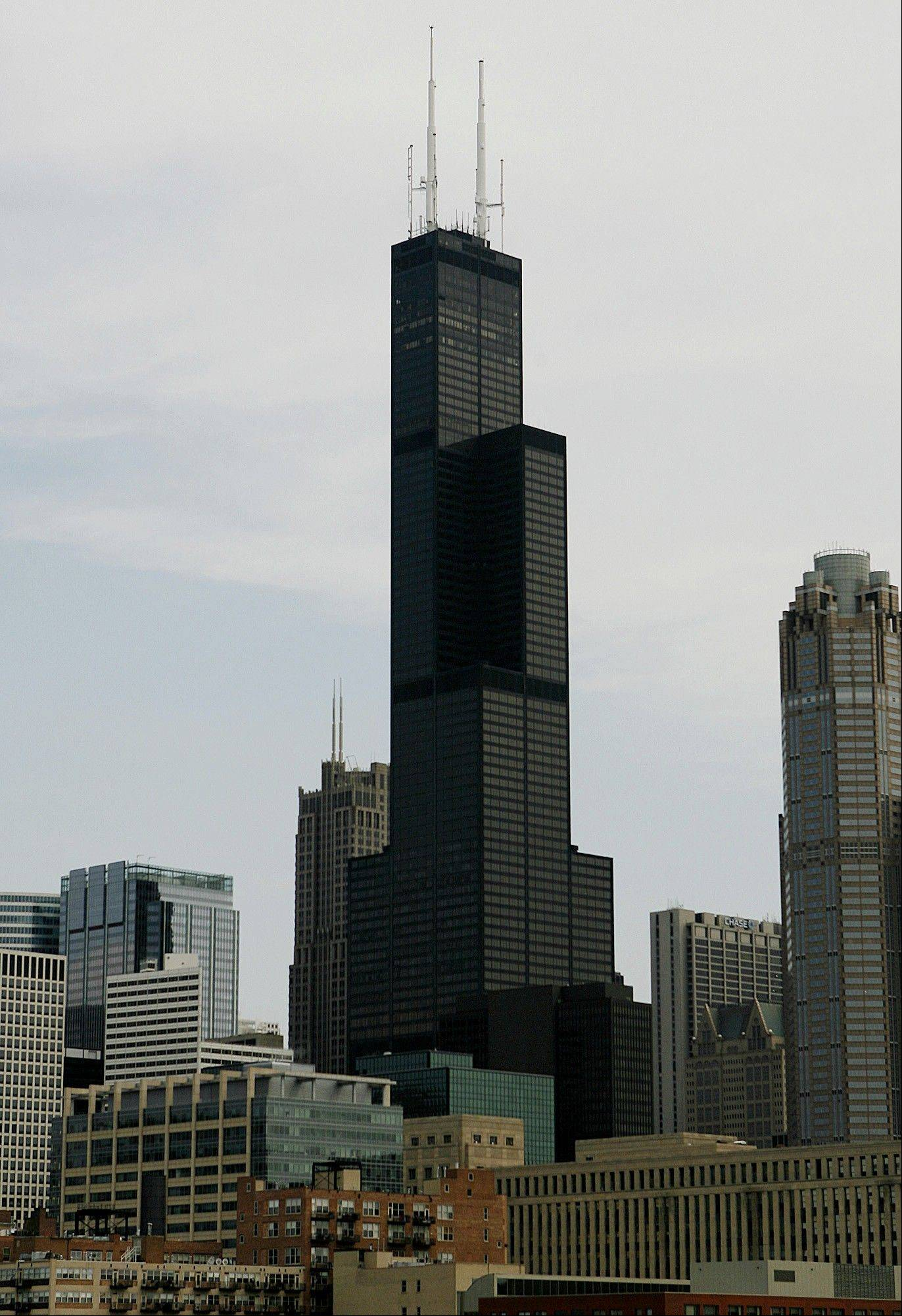 United Airlines is consolidating its premises at Chicago's Willis Tower.