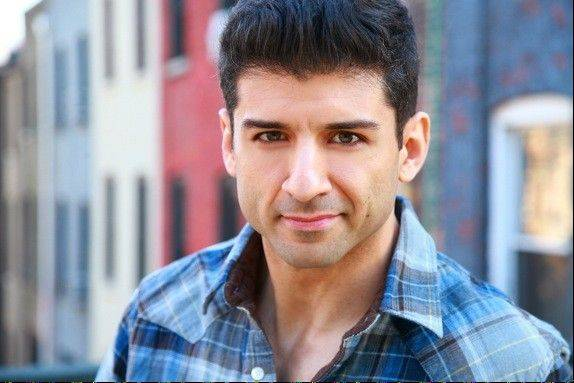 Broadway veteran Tony Yazbeck will take over the role of Don Lockwood in �Singin� in the Rain� at Drury Lane Theatre in Oakbrook Terrace. Sean Palmer (�Sex and the City�) is departing the production for surgery.