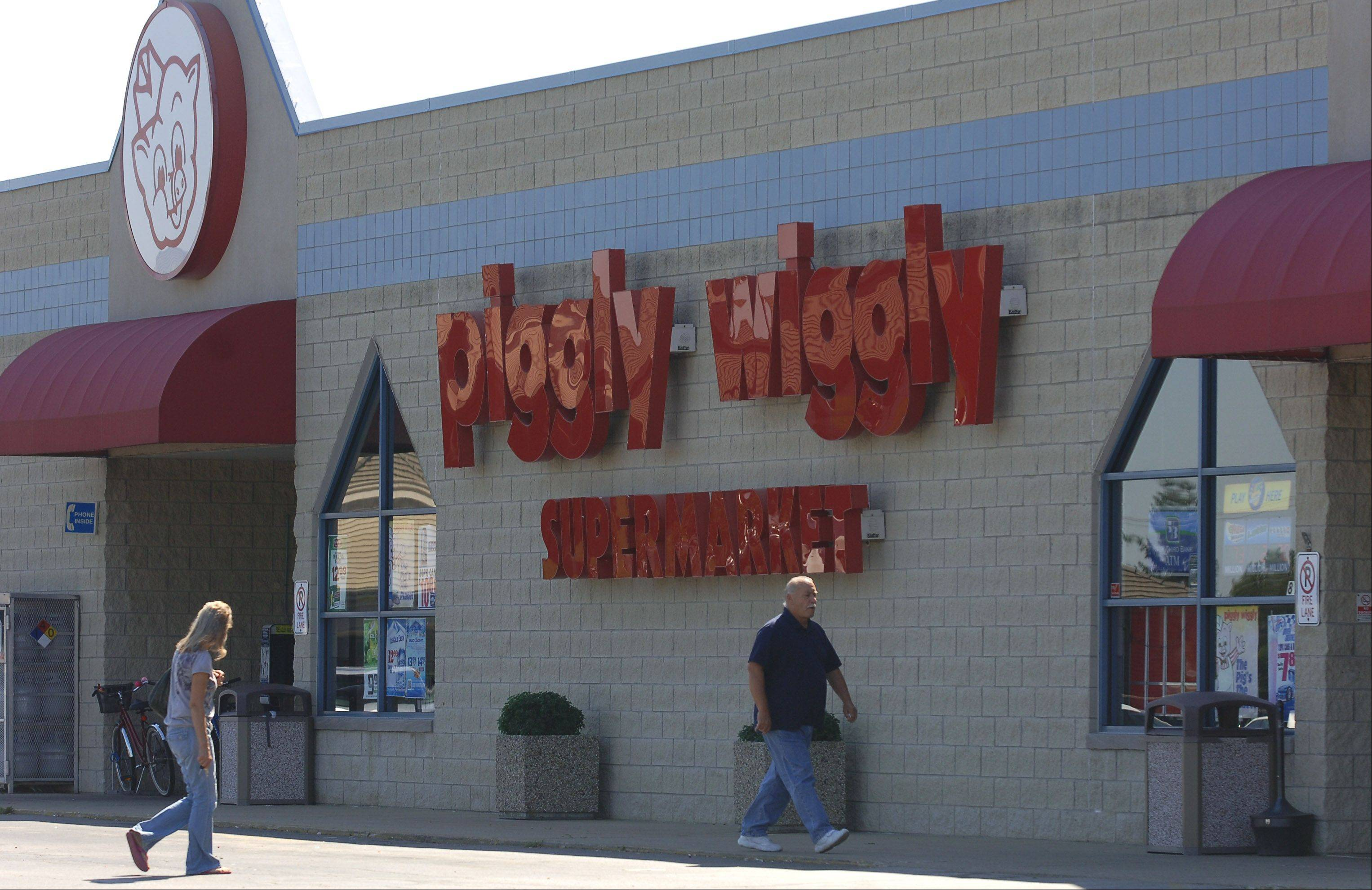 Grayslake's Piggly Wiggly, in a plaza at Center Street and Atkinson Road, is scheduled to close Dec. 15. Plans call for Farmer's Market Place to open in the same space April 1.