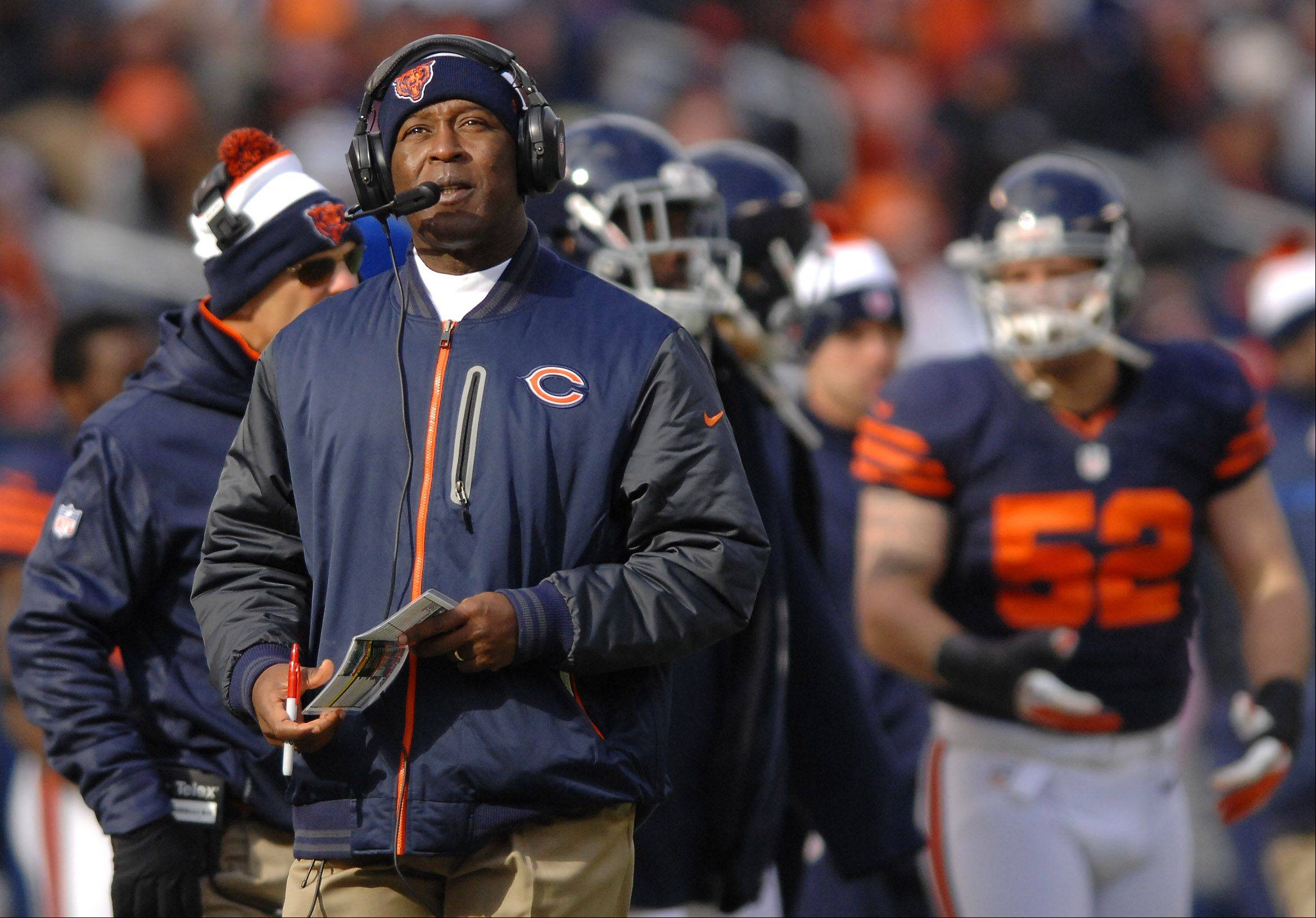 Bears head coach Lovie Smith says Jay Cutler is improving, but he won't practice or play until doctors say he's completely healed and ready.