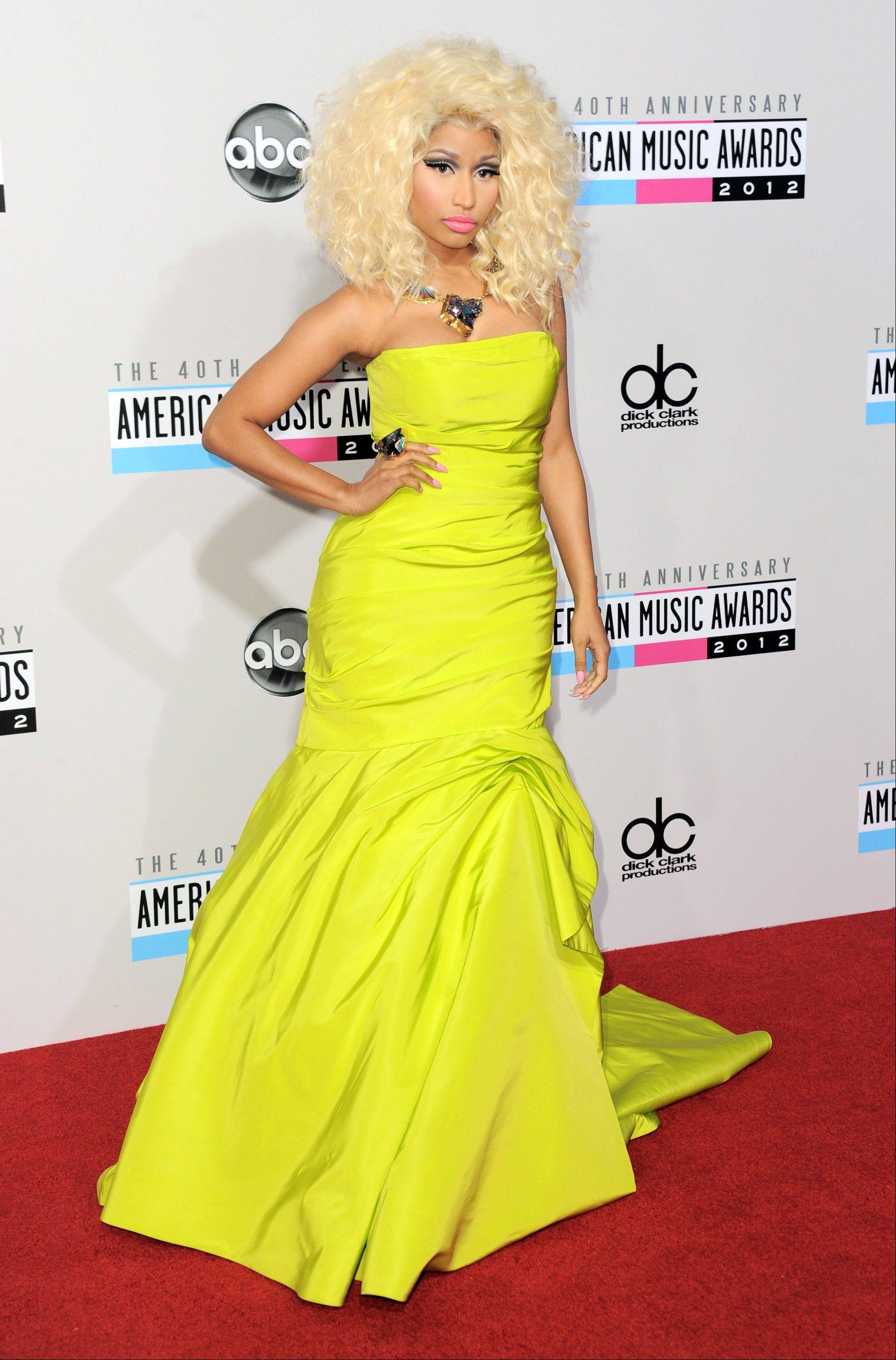 Nicki Minaj opts for a more demur look this time around at the AMAs.