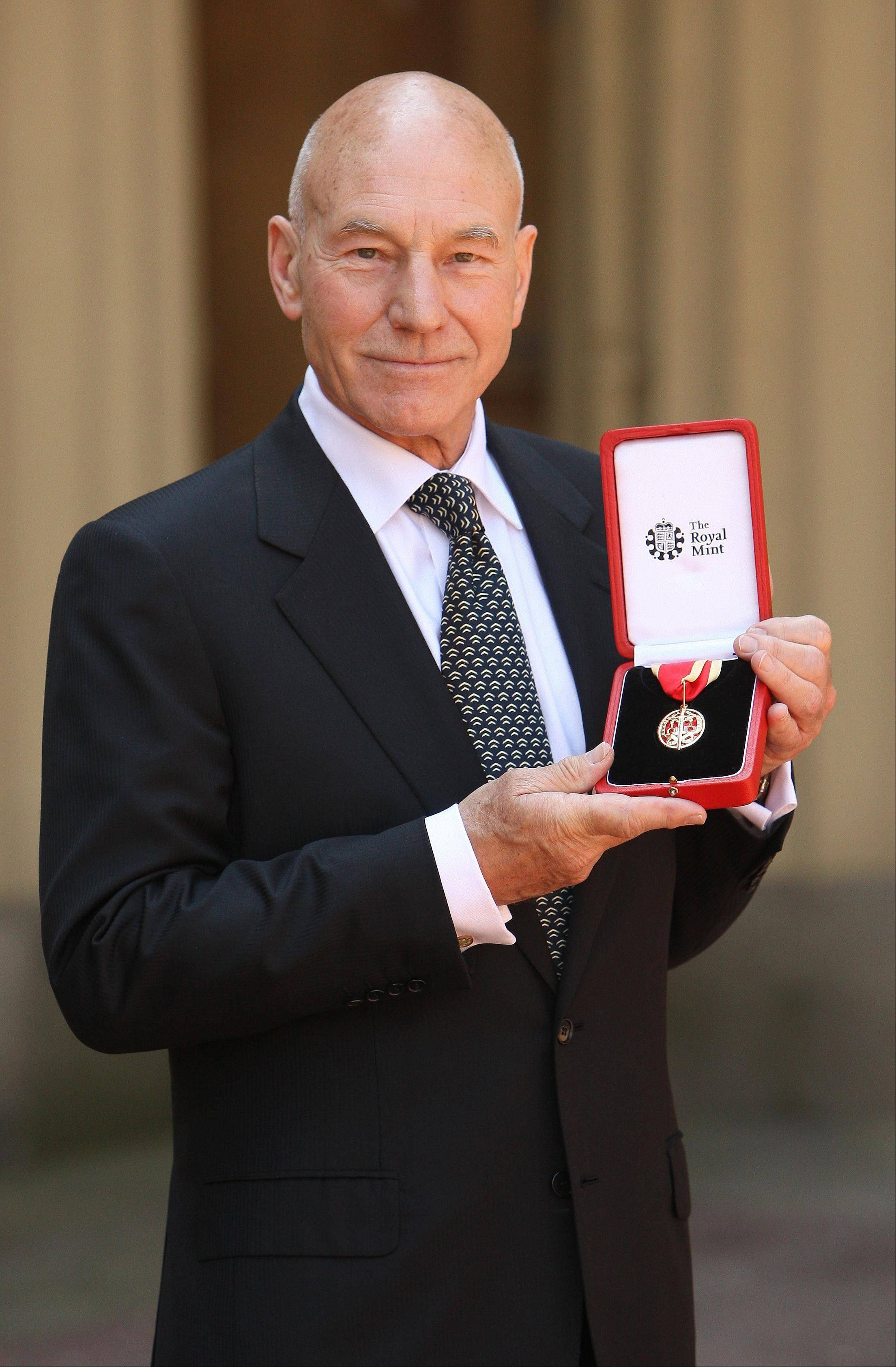 "Actor Sir Patrick Stewart, posing with the insignia of his knighthood in 2010, will be a co-host for ""The Second City Guide to the Opera"" at the Lyric Opera of Chicago on Jan. 5."