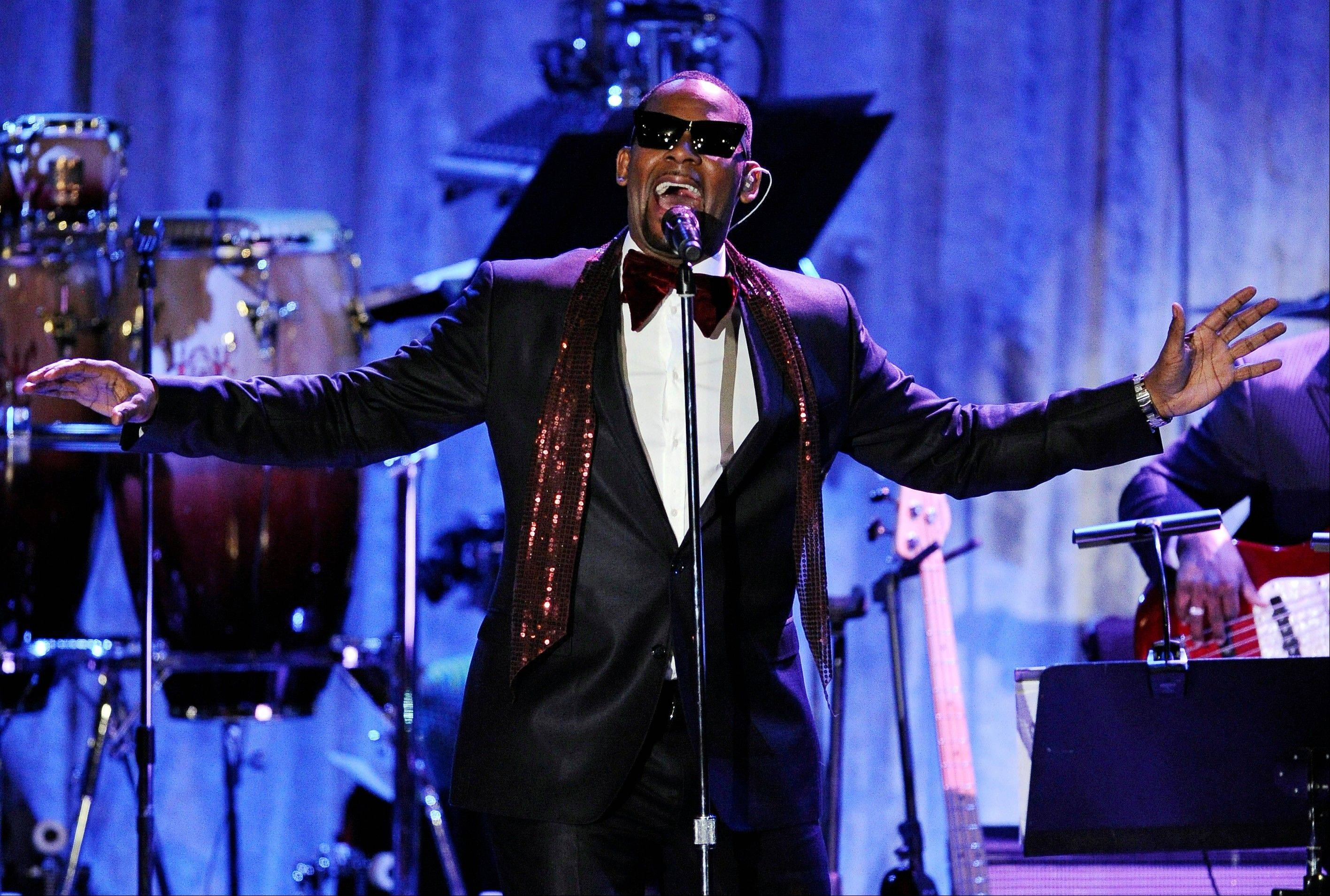R. Kelly announced on Monday that he�s had an offer to bring �Trapped in the Closet� to the stage, and he may even be in some performances.